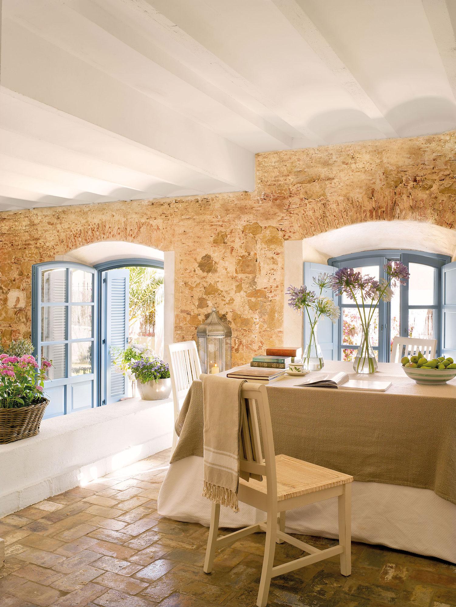 Los 50 mejores comedores de el mueble - Fotos de paredes de piedra ...