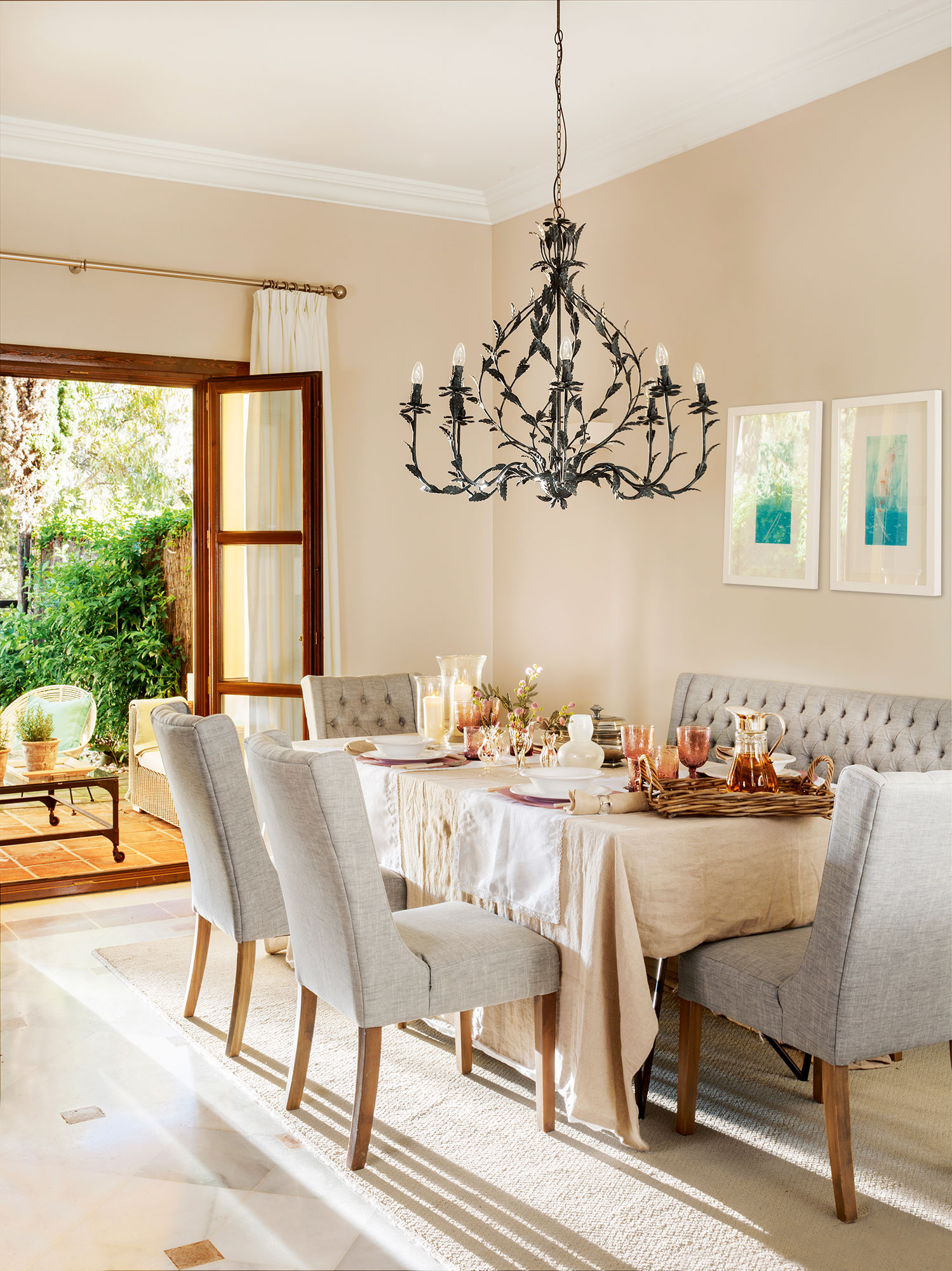 Los 50 mejores comedores de el mueble for Sillas de comedor tapizadas modernas