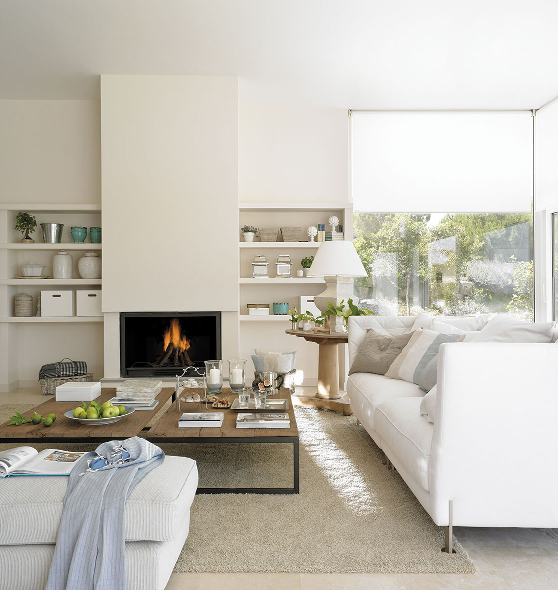 Una decoraci n blanca y transparente - Fotos de salones de casas ...