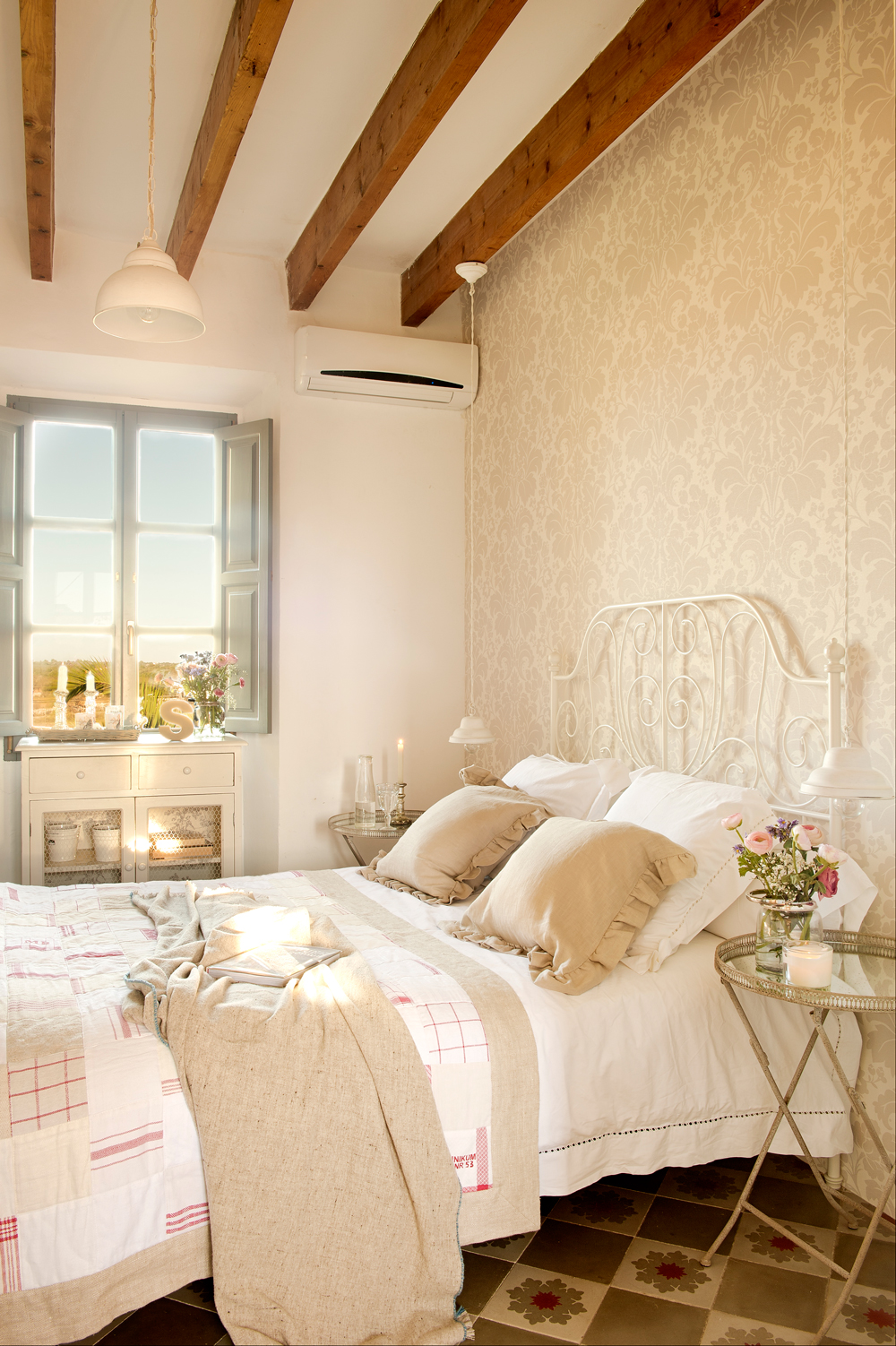 Decora tu dormitorio con estilo vintage for Ideas para decorar un dormitorio de matrimonio