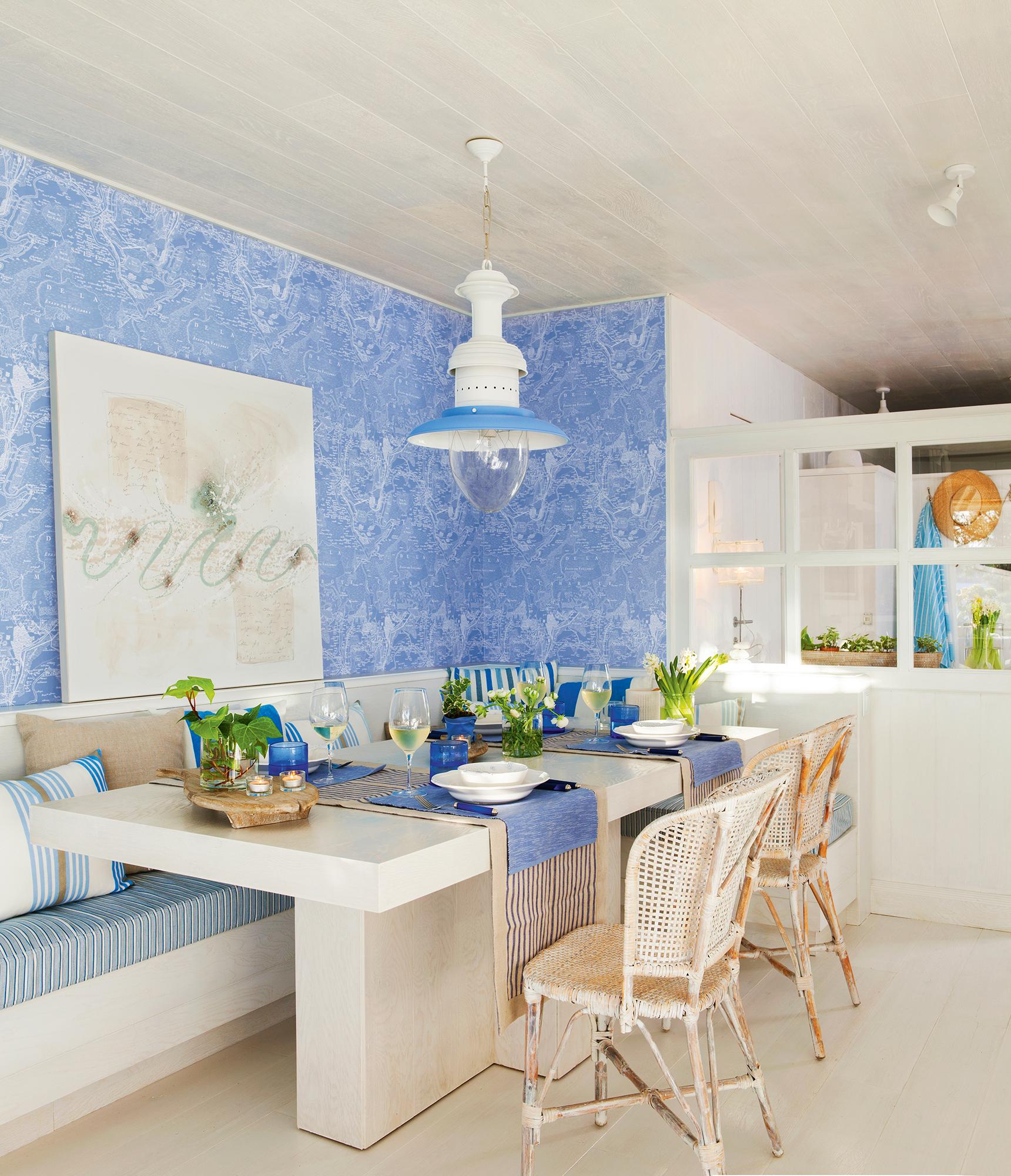Comedor en blanco y azul con detalles marineros_408092