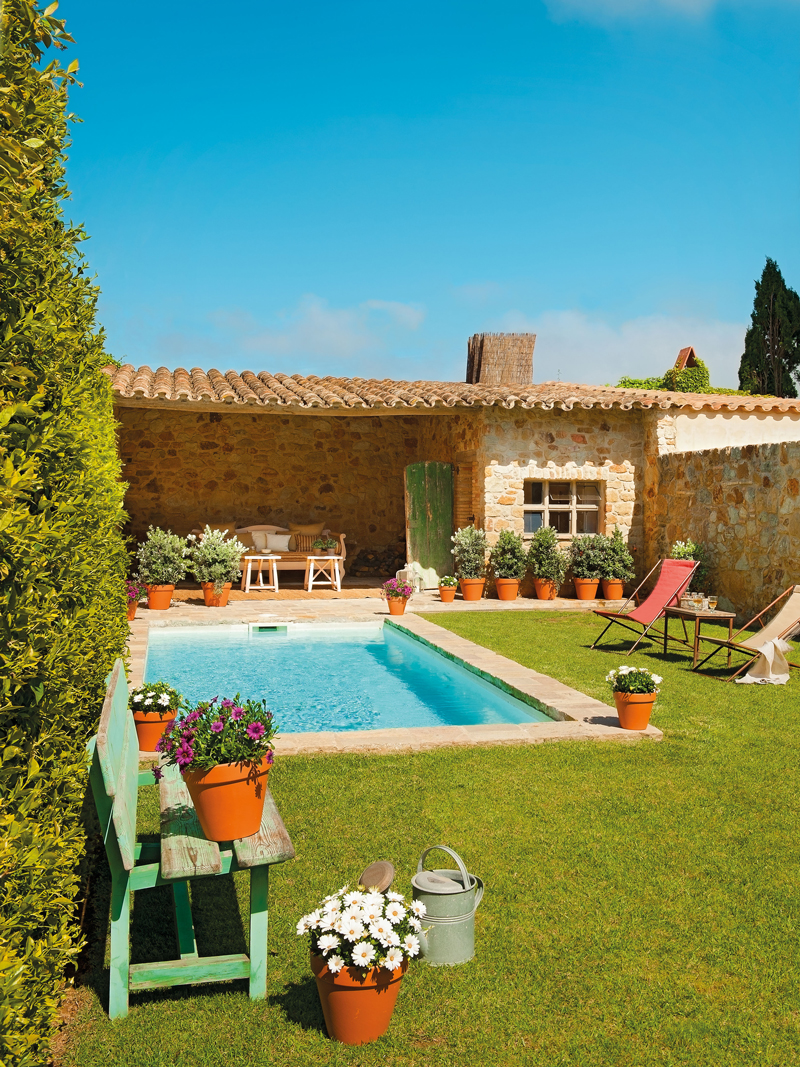 Las 50 mejores piscinas de el mueble for Piscinas de jardin