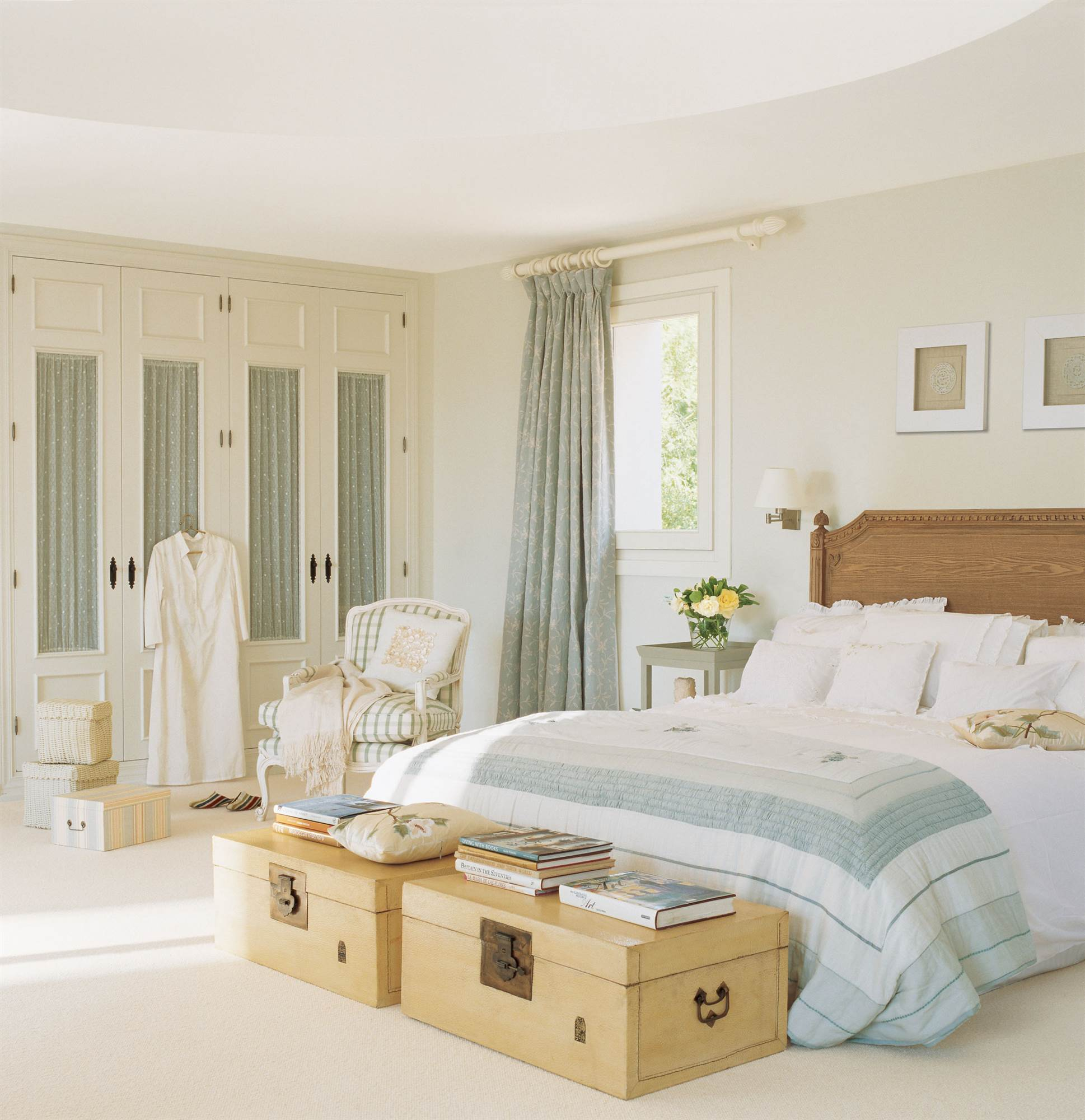Tres porches para una casa - Baules para dormitorios ...