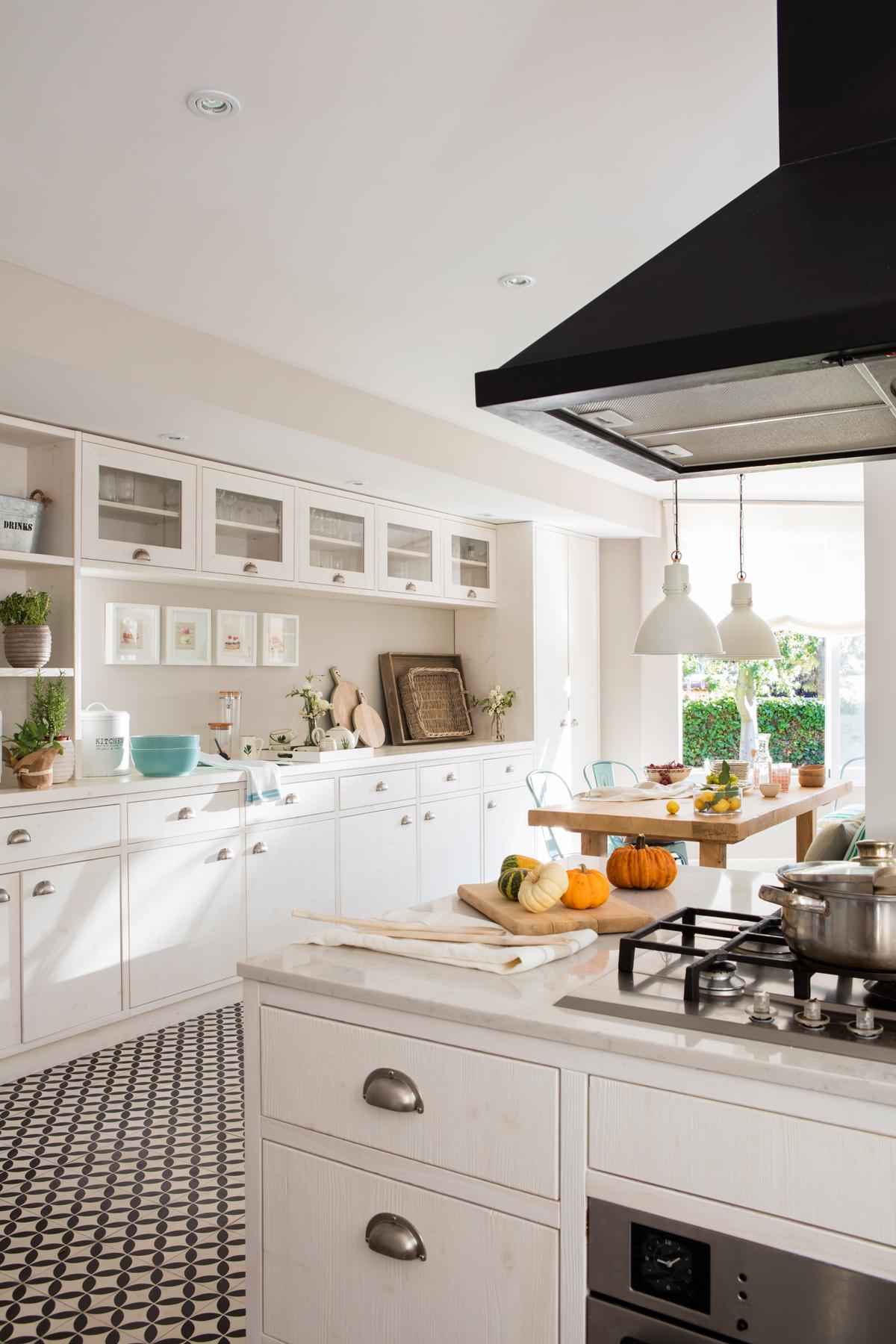 Dale color a tu cocina blanca for Guardas para cocina modernas