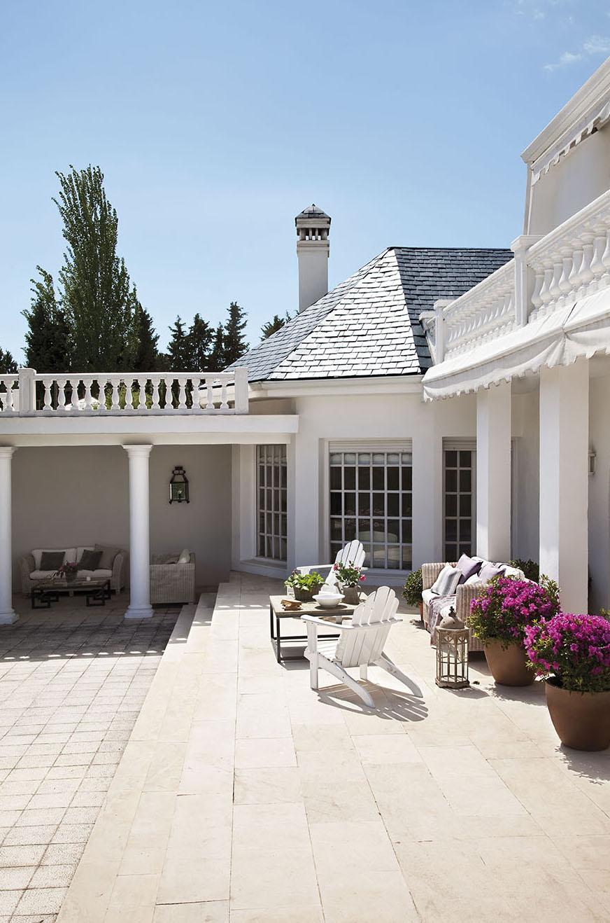 Una Casa Elogio De Luz Y Blancura # Muebles Paz To Home