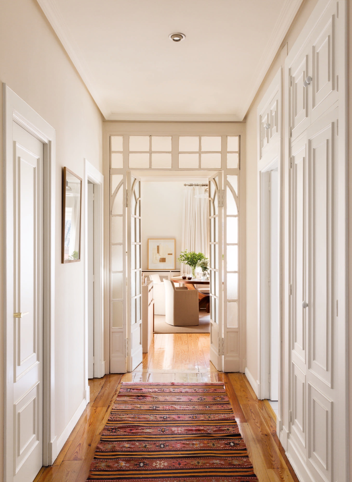 Visitamos 8 casas muy distintas por toda espa a - Decoracion puertas blancas ...