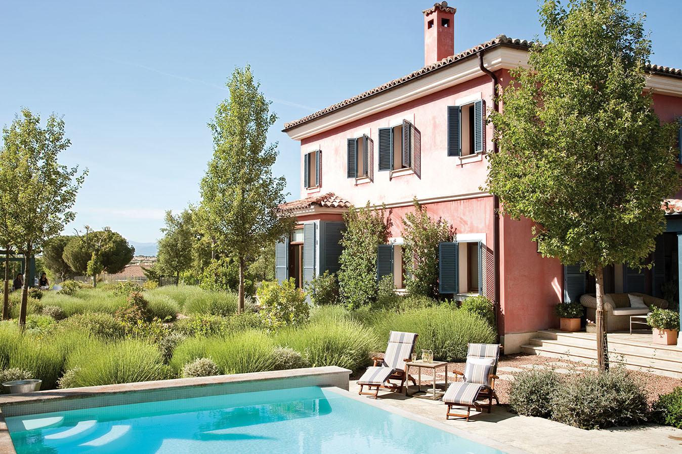 Una casa en la toscana con sorpresa for Casas con piscina dentro