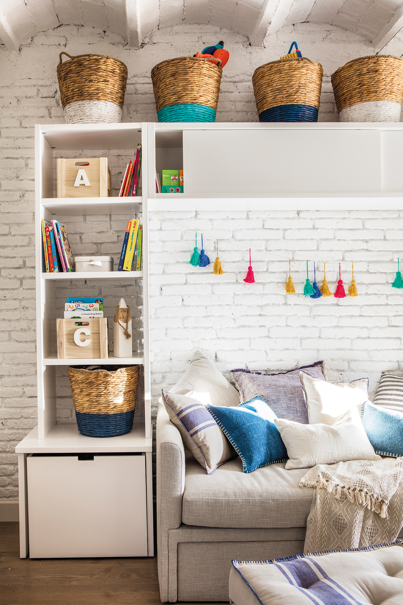 Orden en toda la casa 25 trucos de experto - Baldas para armarios ...