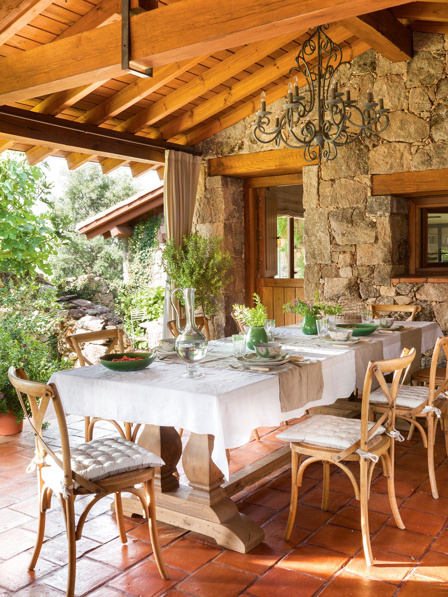Comedores de exterior los 50 mejores de el mueble - Decorar comedor rustico ...