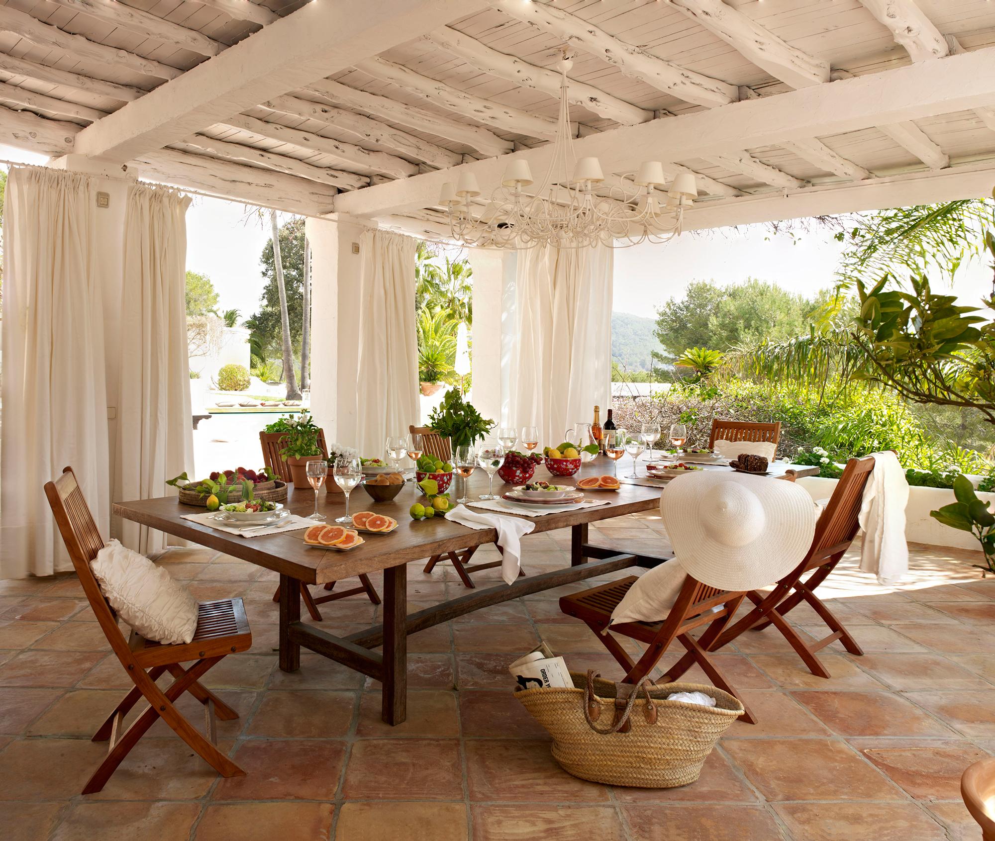 Comedores de exterior los 50 mejores de el mueble for Comedor de muebles de madera blanca