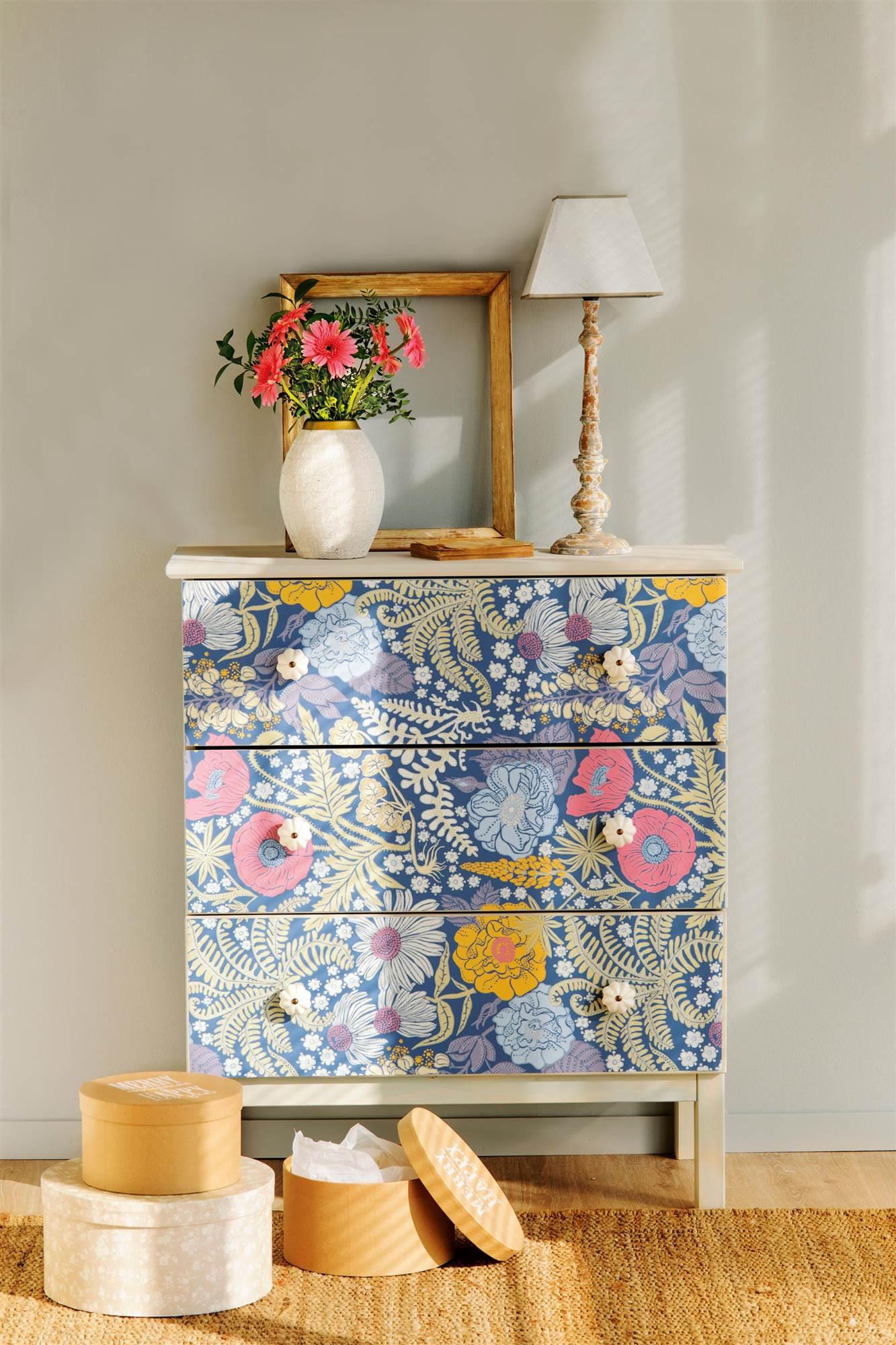Pintura o papel pintado qu es mejor y pros y contras - Papel pintado en muebles ...