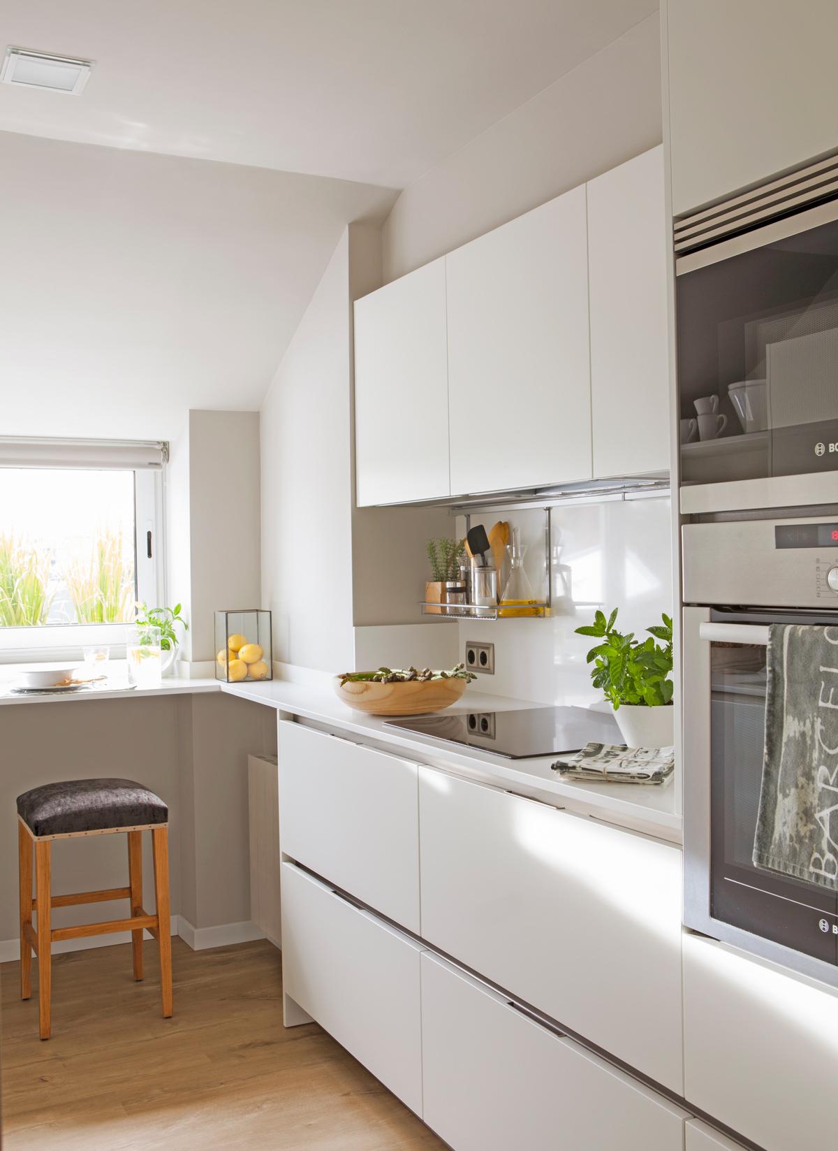 Barra de cocina ikea verde isla central y la barra blanca - Frente cocina ikea ...