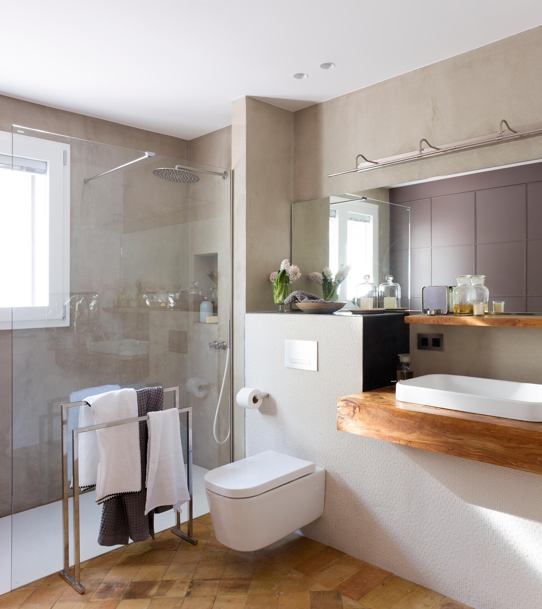 Sanitarios claves para elegir el lavamanos y el inodoro for Ducha para inodoro