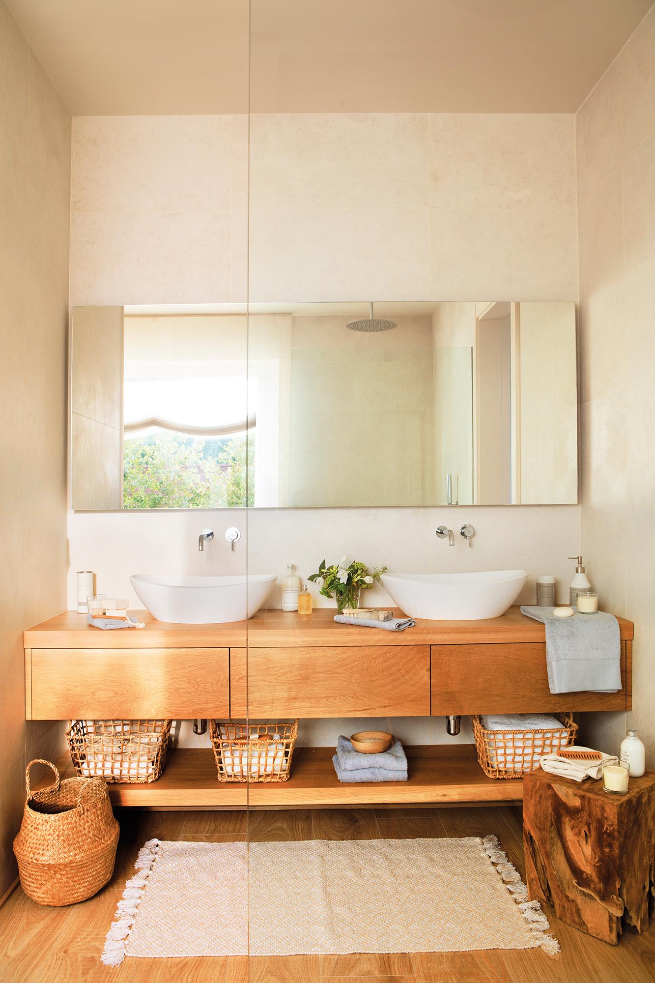 Sanitarios claves para elegir el lavamanos y el inodoro for Muebles de bano de madera rusticos