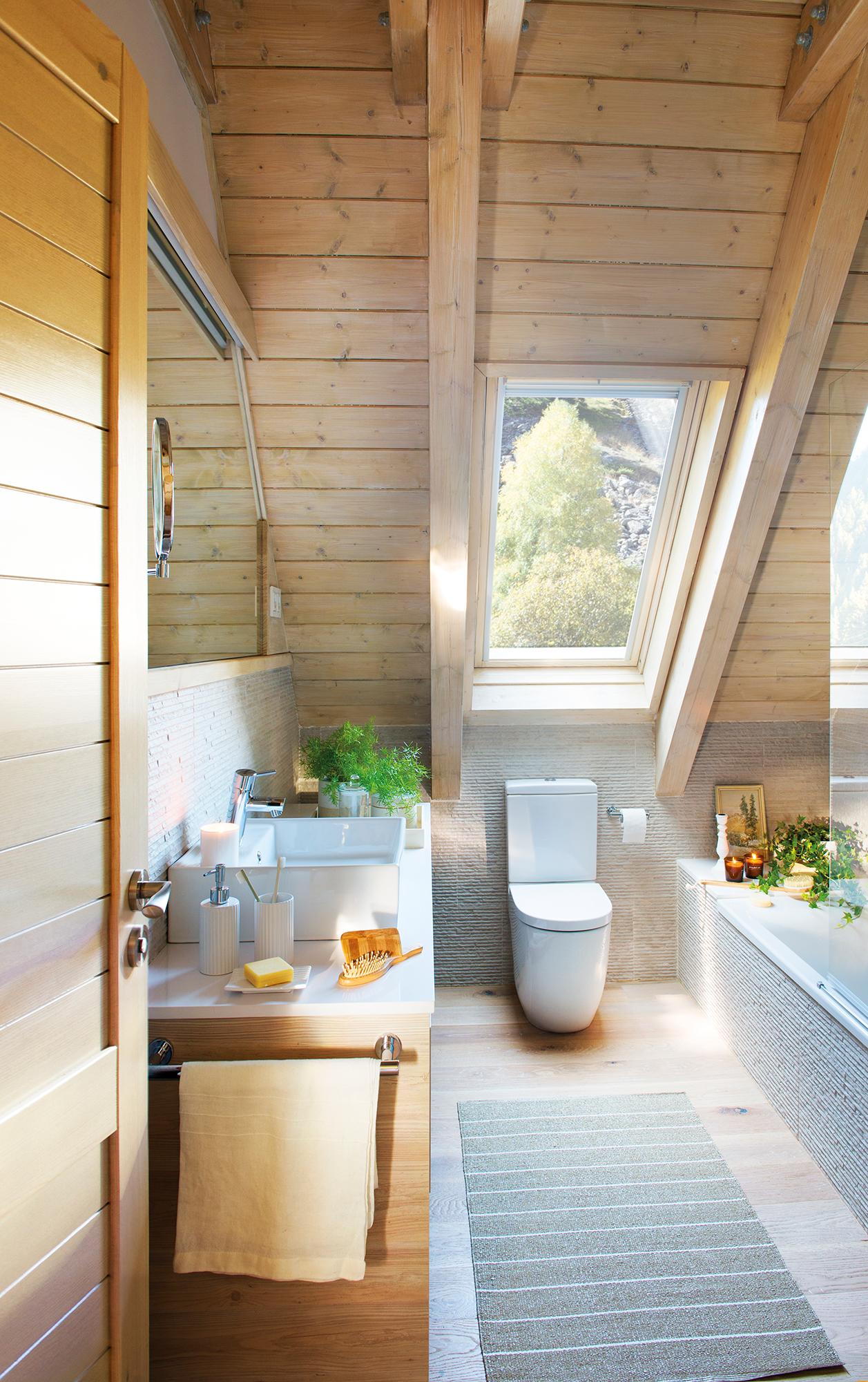 ef381a967fcdd Baño rústico en buhardilla con techo y pavimento de madera  00445008.  Sanitarios XS