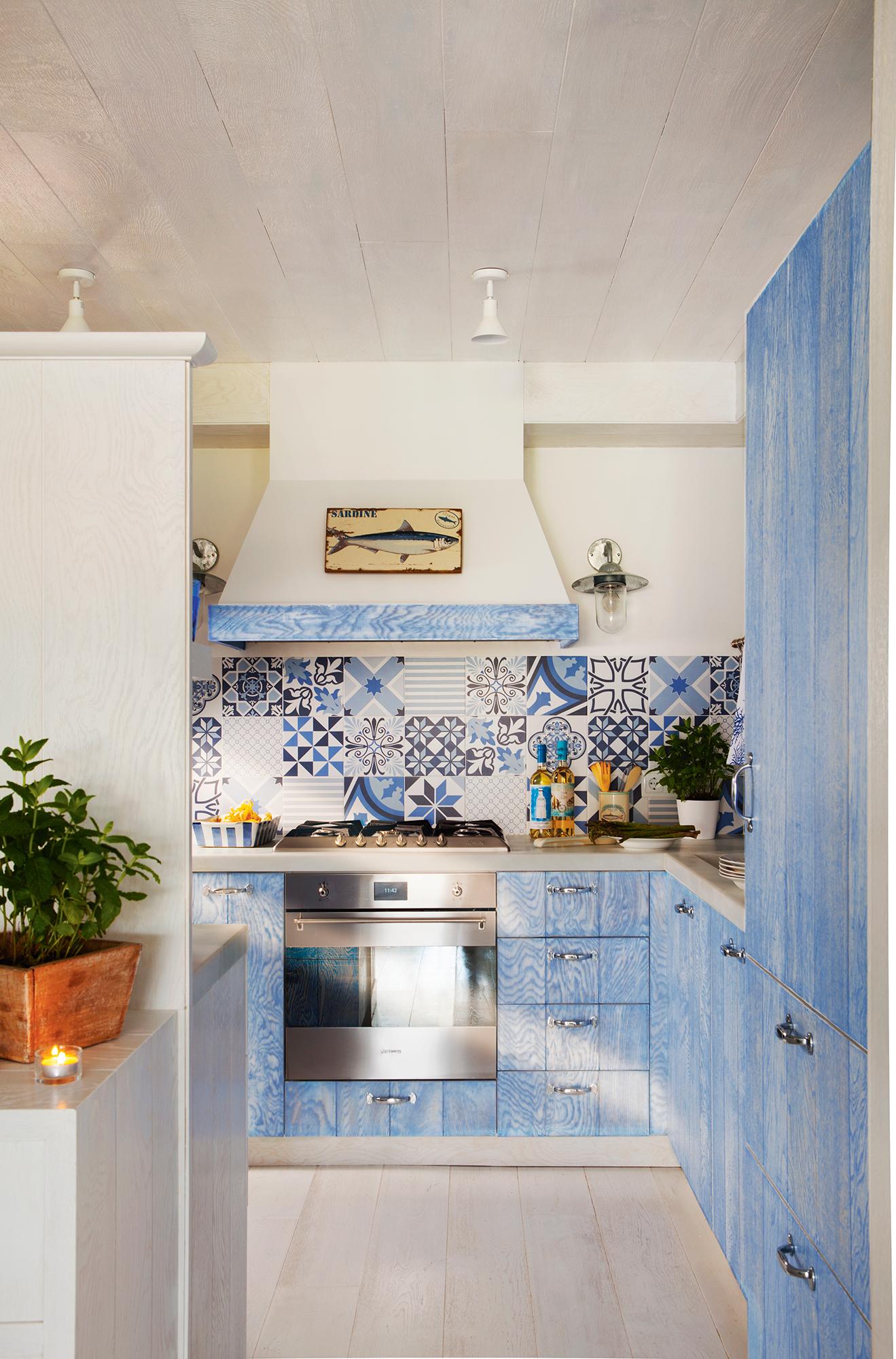 Cocinas con color for De que color con gris en una cocina