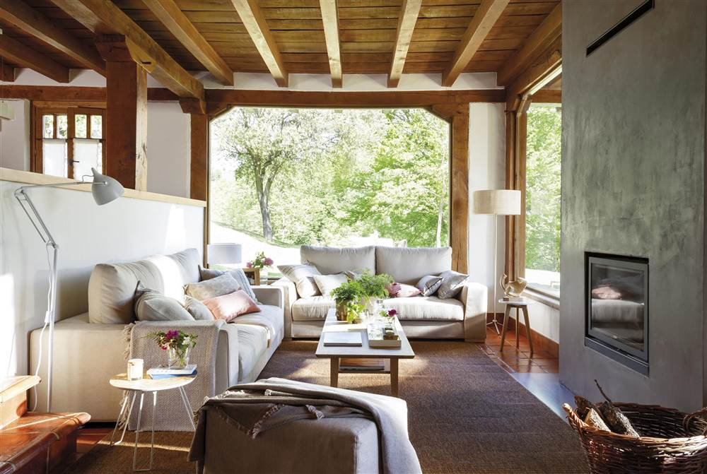 Casa de campo en el norte decorada con estilo for Living moderno arredamento