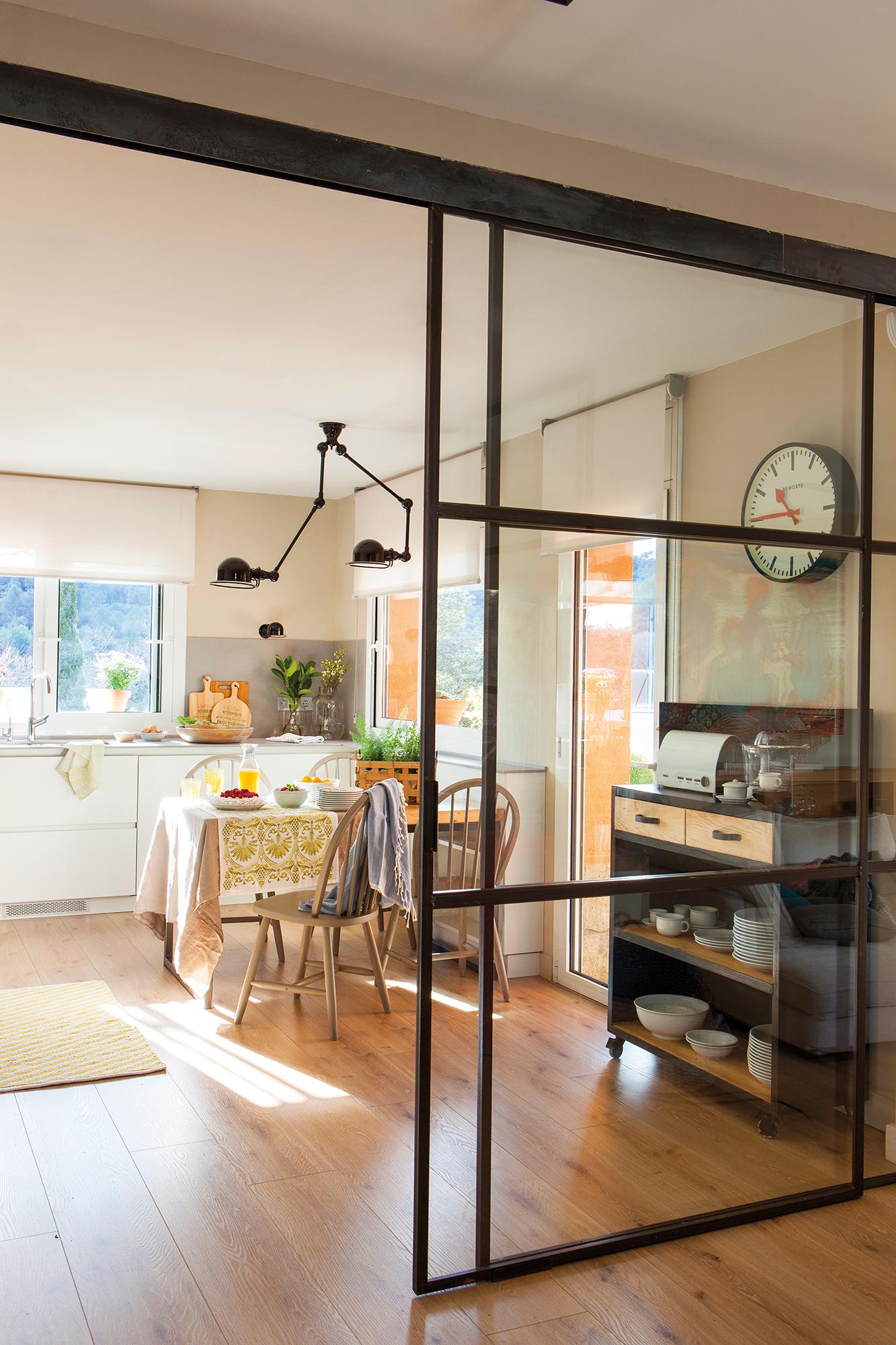 Puertas claves para renovarlas for Puertas cristal interior casa