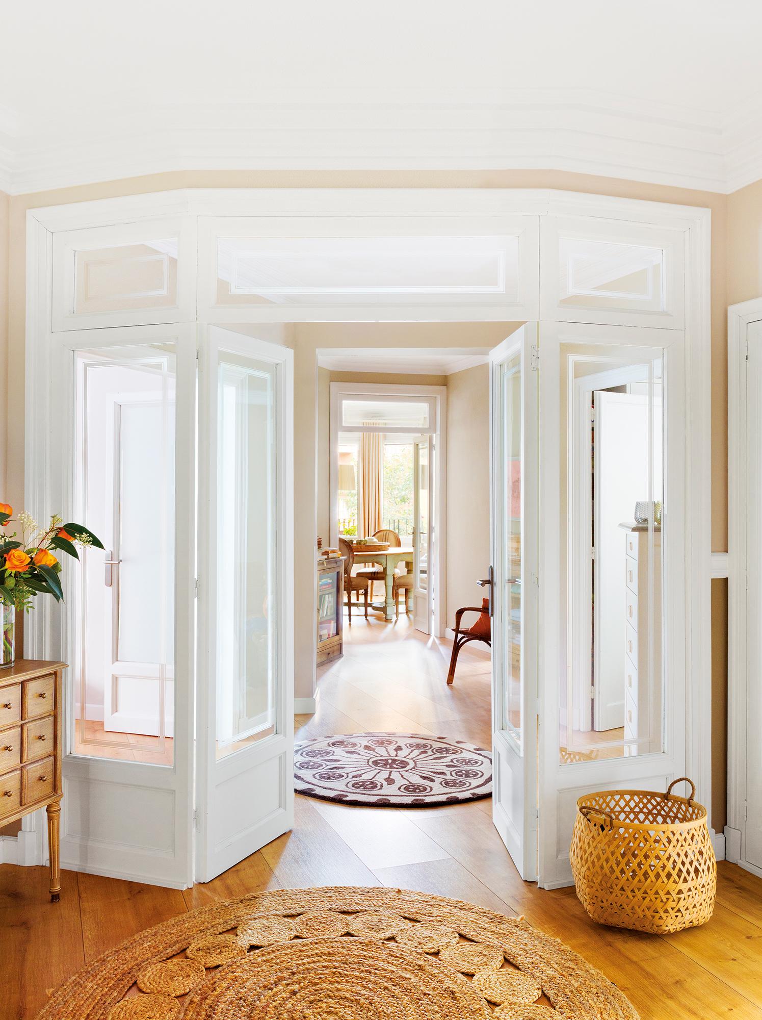 Recibidores los mejores 50 de el mueble for Vidrios decorados para puertas interiores