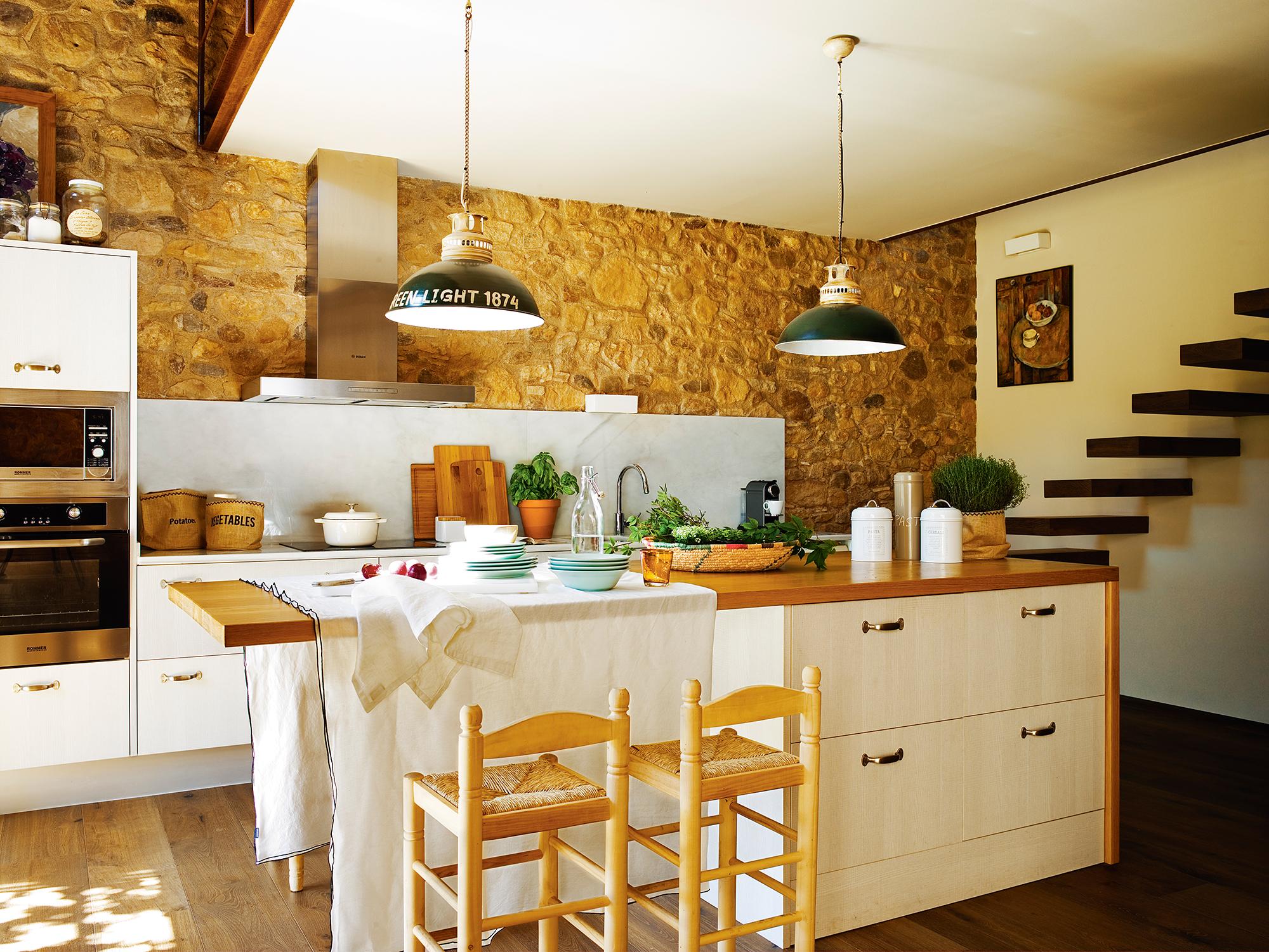Cocinas las 50 mejores de el mueble for Paredes para cocina