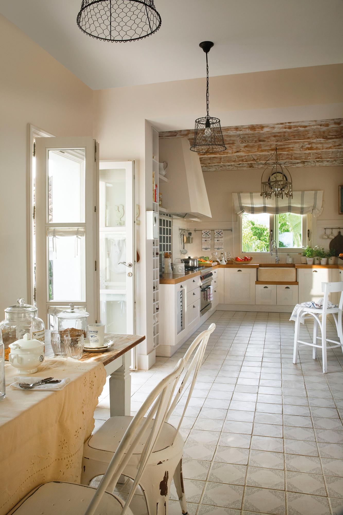 Cocinas las 50 mejores de el mueble for Casa con muebles blancos