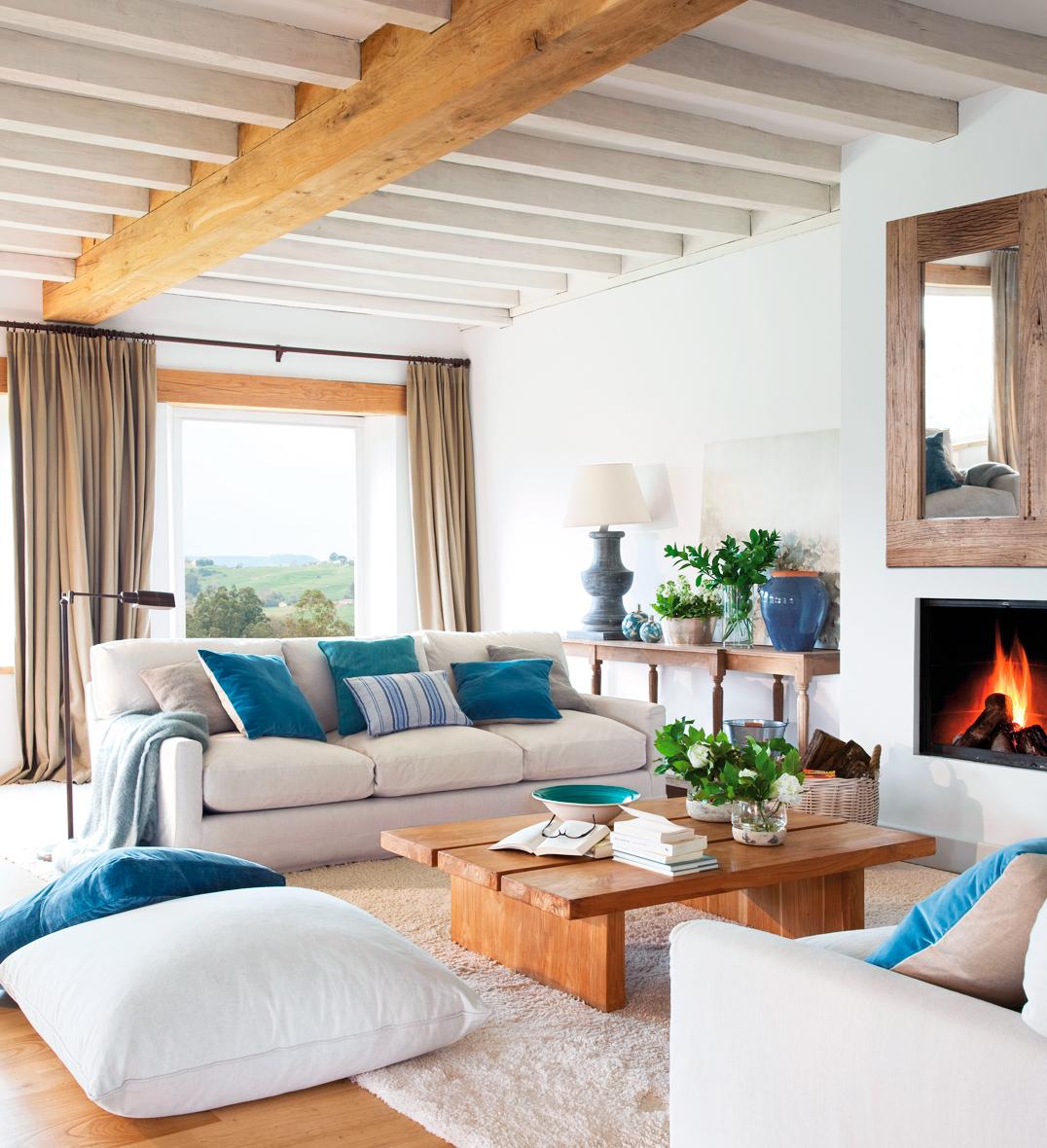 15 salones con el toque justo de color - Muebles salon blanco y madera ...