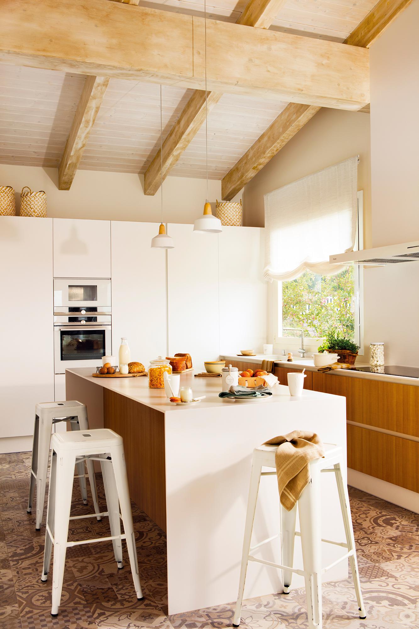 Cocinas las 50 mejores de el mueble for Muebles cocina madera