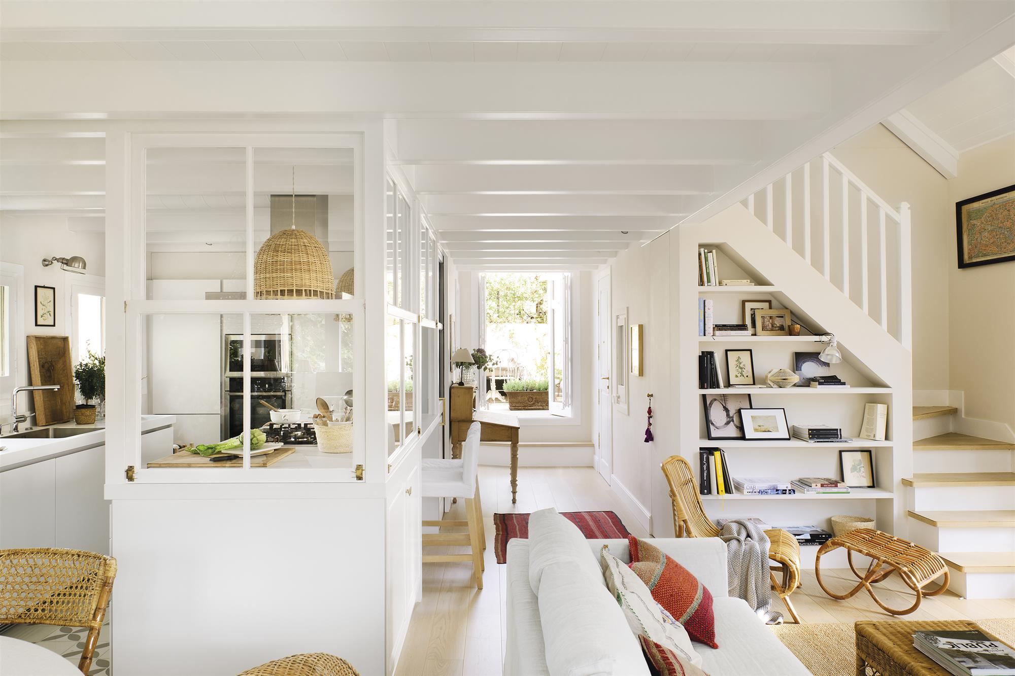 El piso reformado de una pareja de arquitectos jóvenes