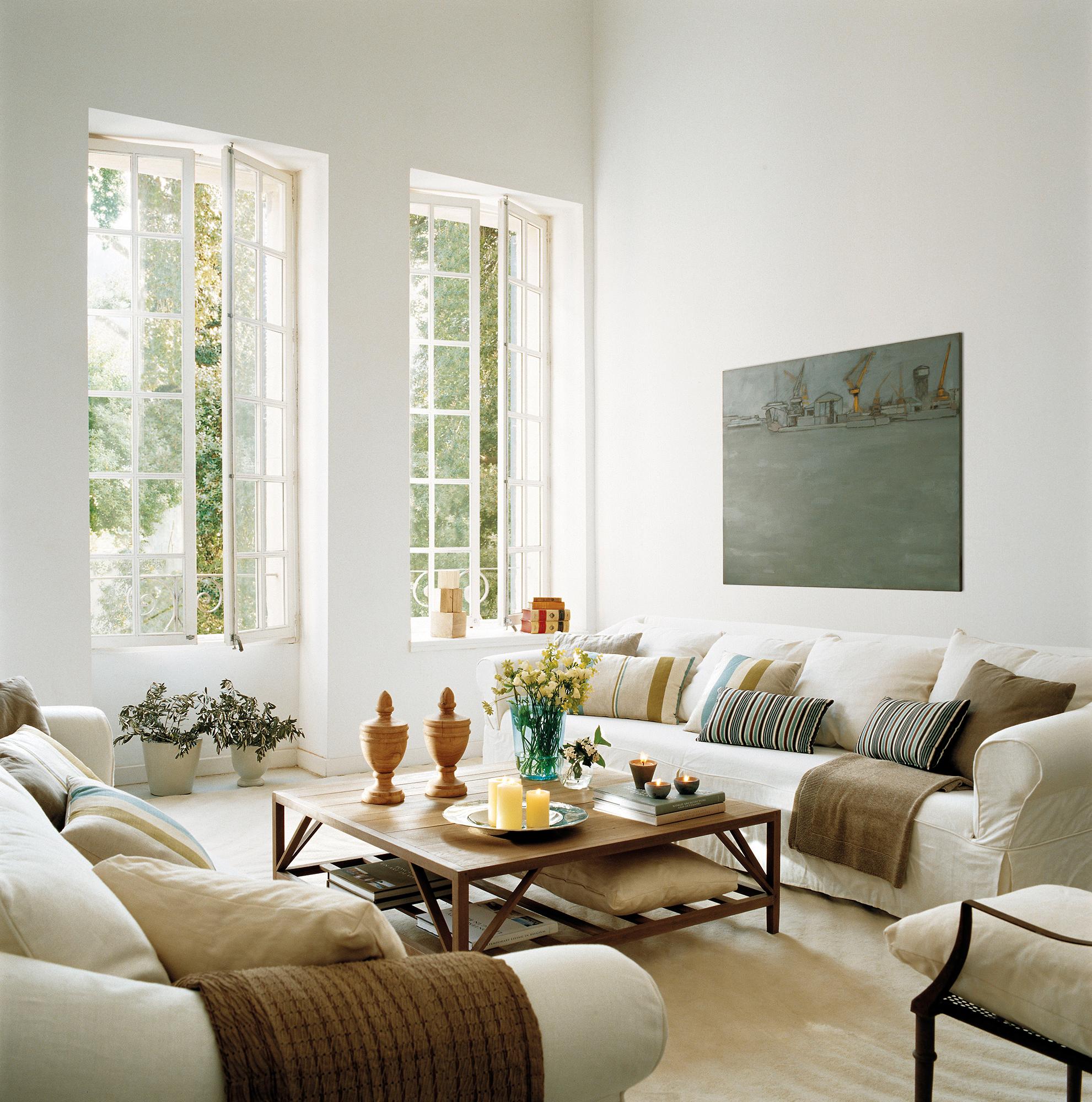 Salones blancos y luminosos - Como decorar mueble salon ...