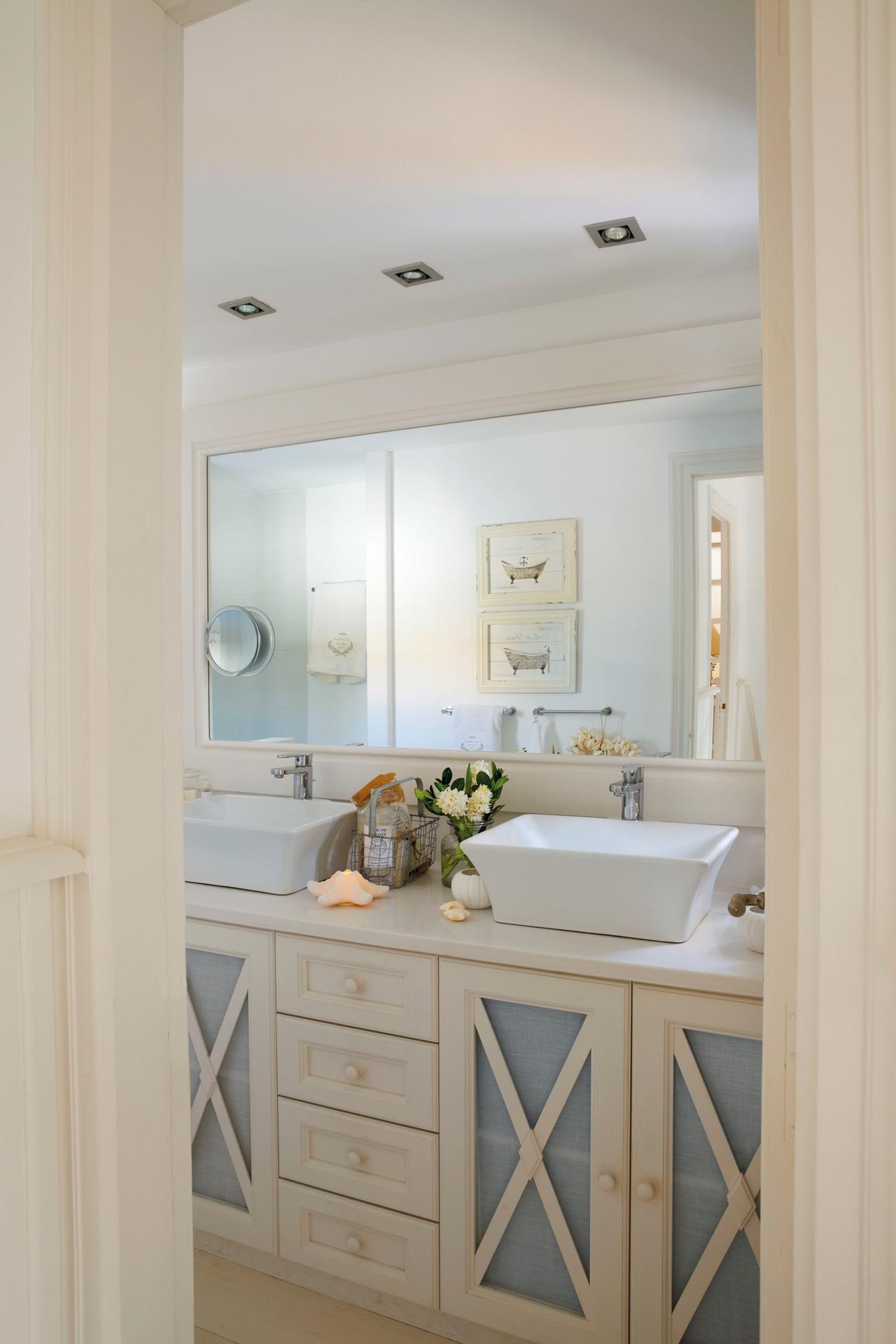 Elige el estilo de tu ba o antes de reformarlo - Cenefas para espejos ...