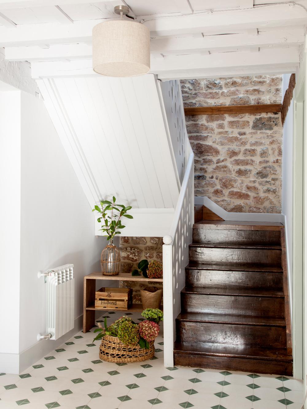 C mo reformar una casa de pueblo - Escaleras de ladrillo ...
