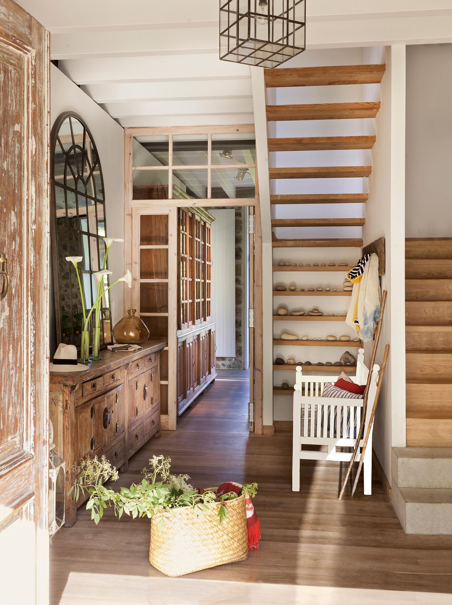 Recibidores los mejores 50 de el mueble for Casas de campo de madera