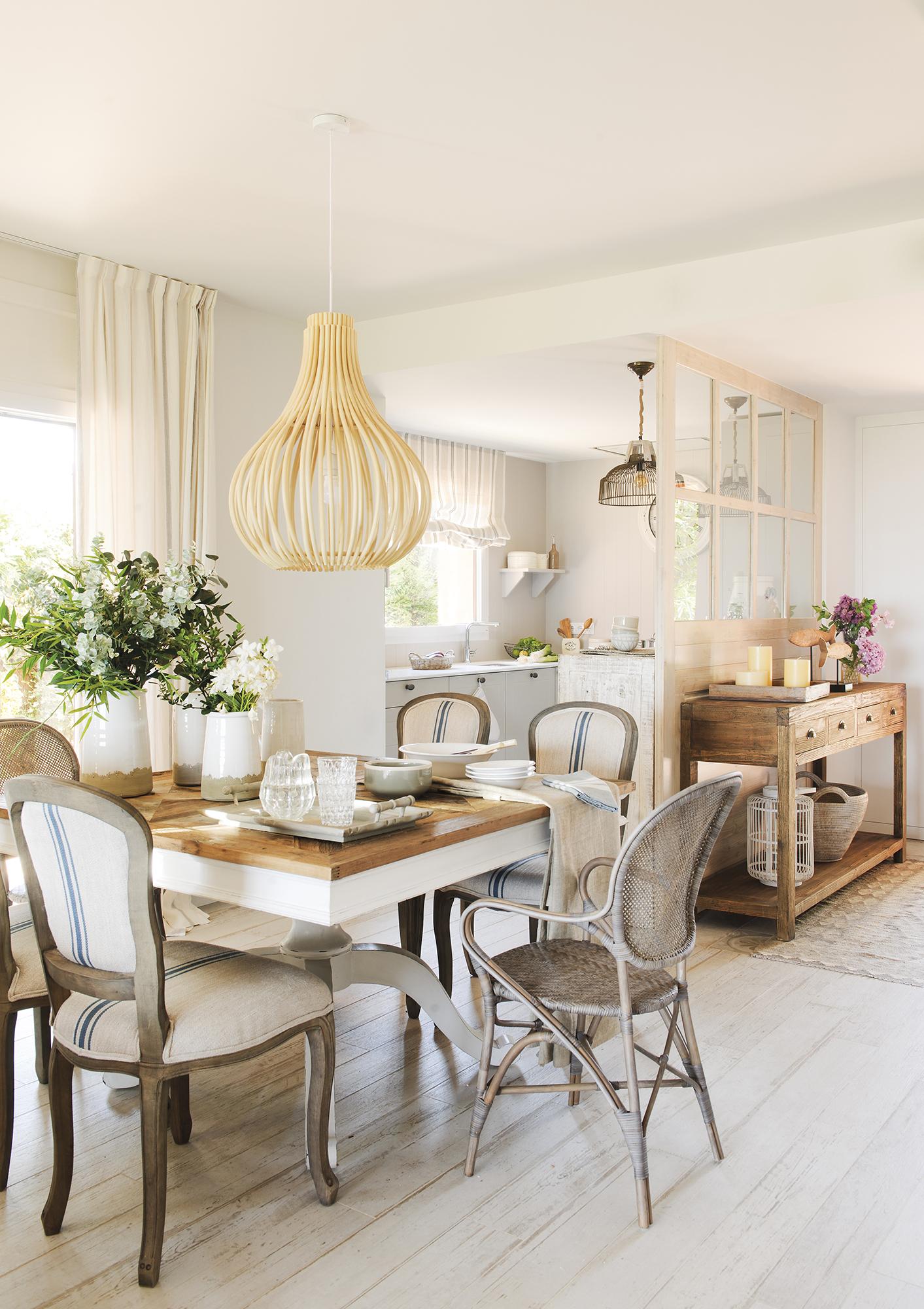 Una casa serena con aires de mar - Lamparas para salones modernos ...