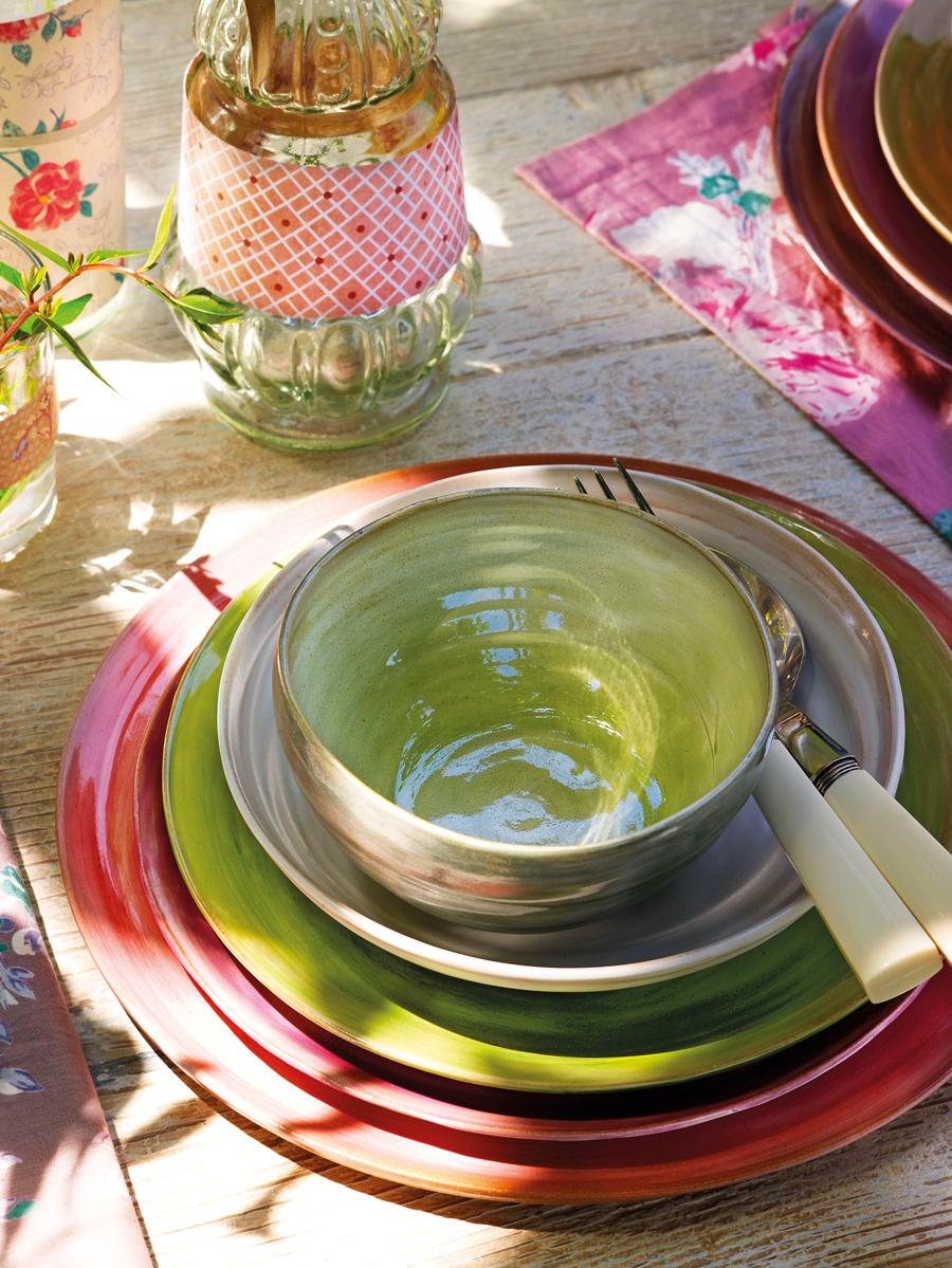 Ideas para decorar la mesa for Vajilla rosa