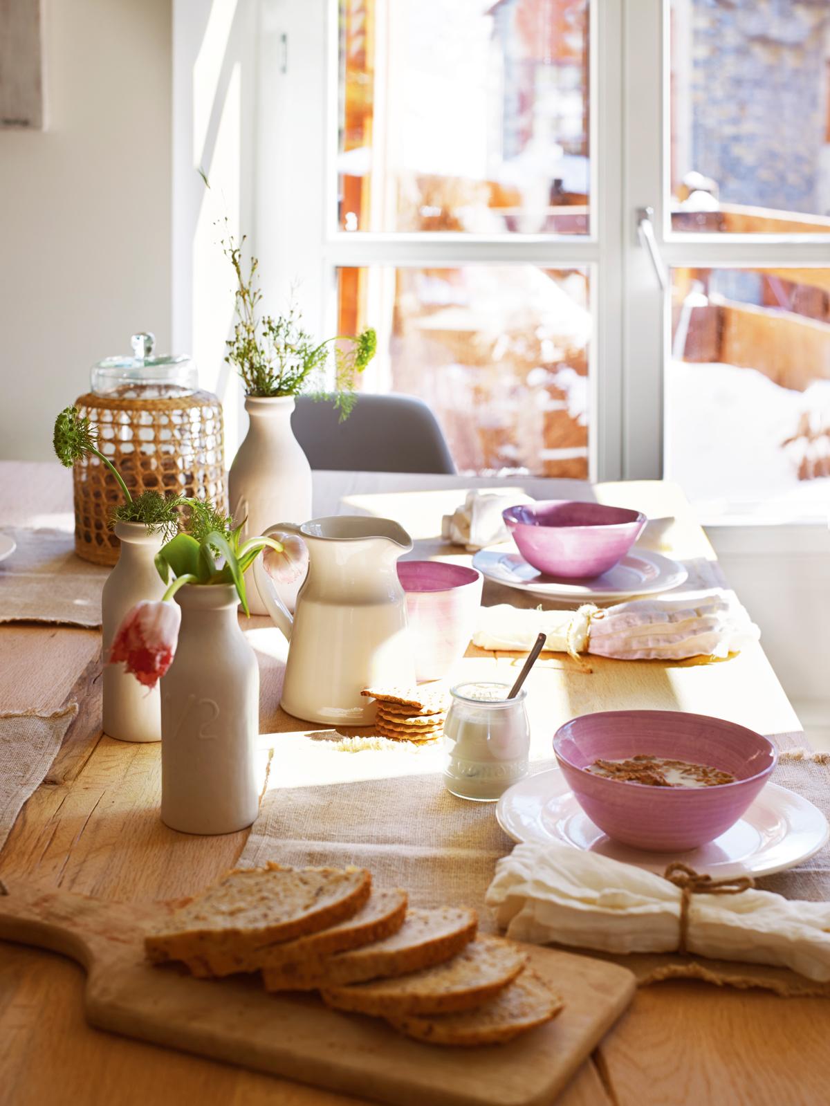 Ideas para decorar la mesa for Mesa desayuno