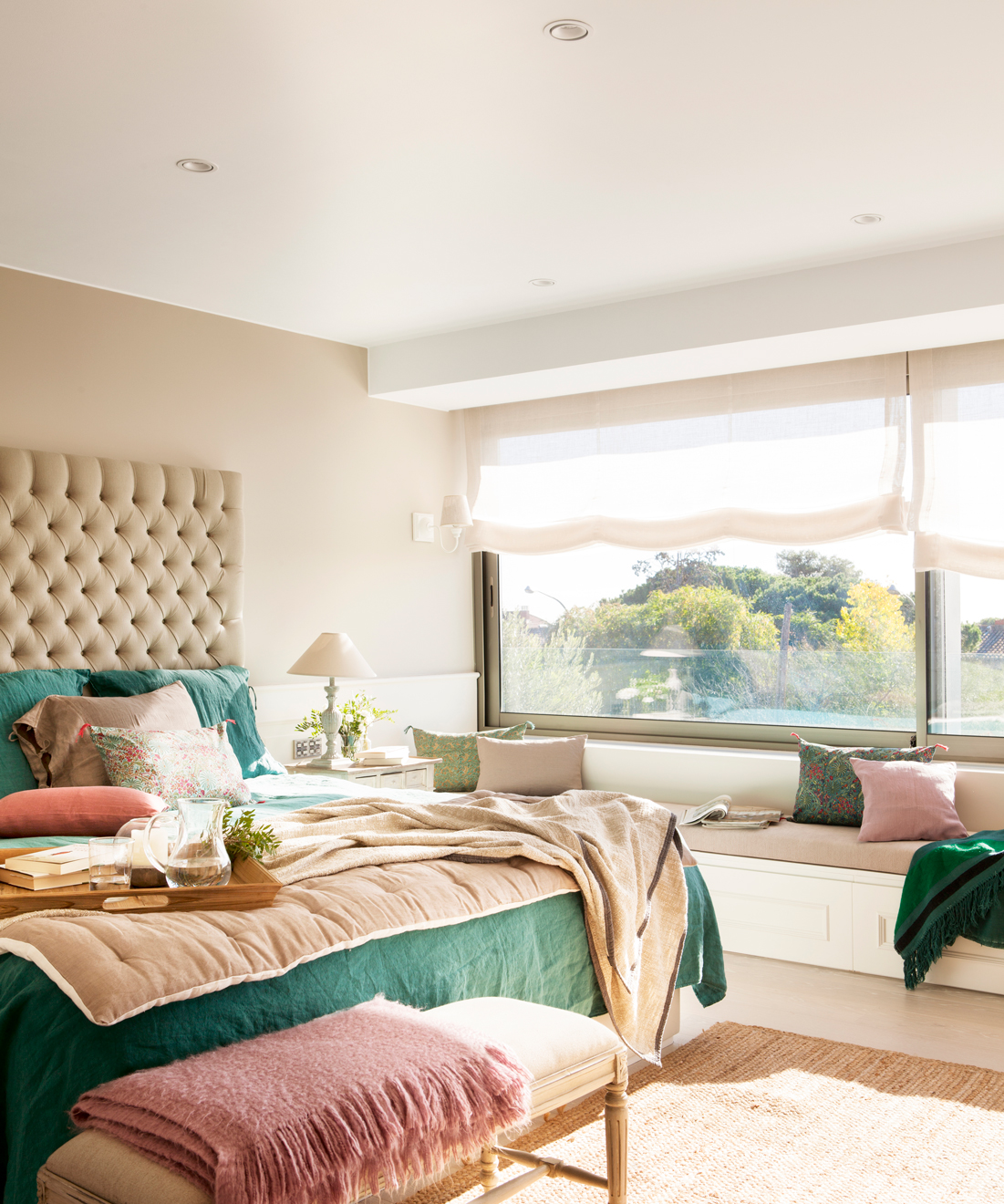 00421211. Dormitorio con cabecero tapizado en capitoné XL 00421211
