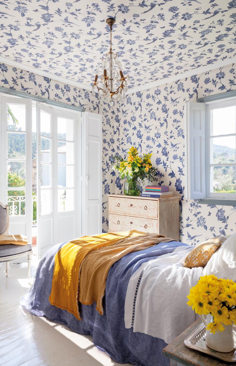 50 dormitorios principales para coger ideas for Dormitorios empapelados y pintados