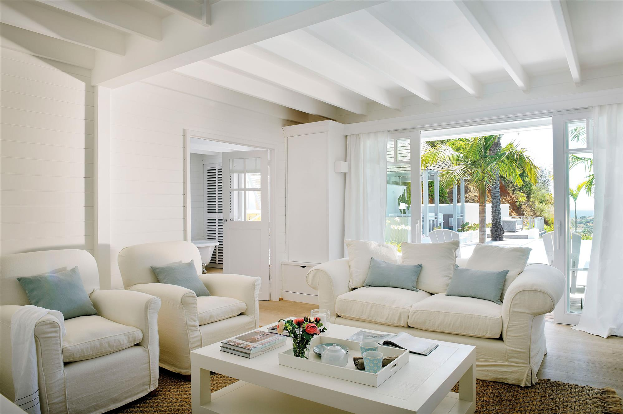 Pintar la casa seg n el signo del zod aco - Decoracion salon blanco ...