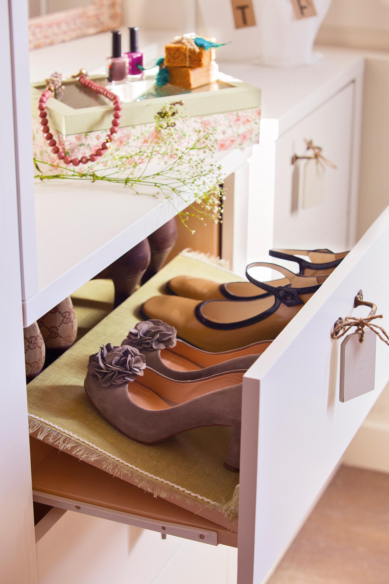 Cajones en orden ideas consejos y trucos - Baldas para zapatos ...