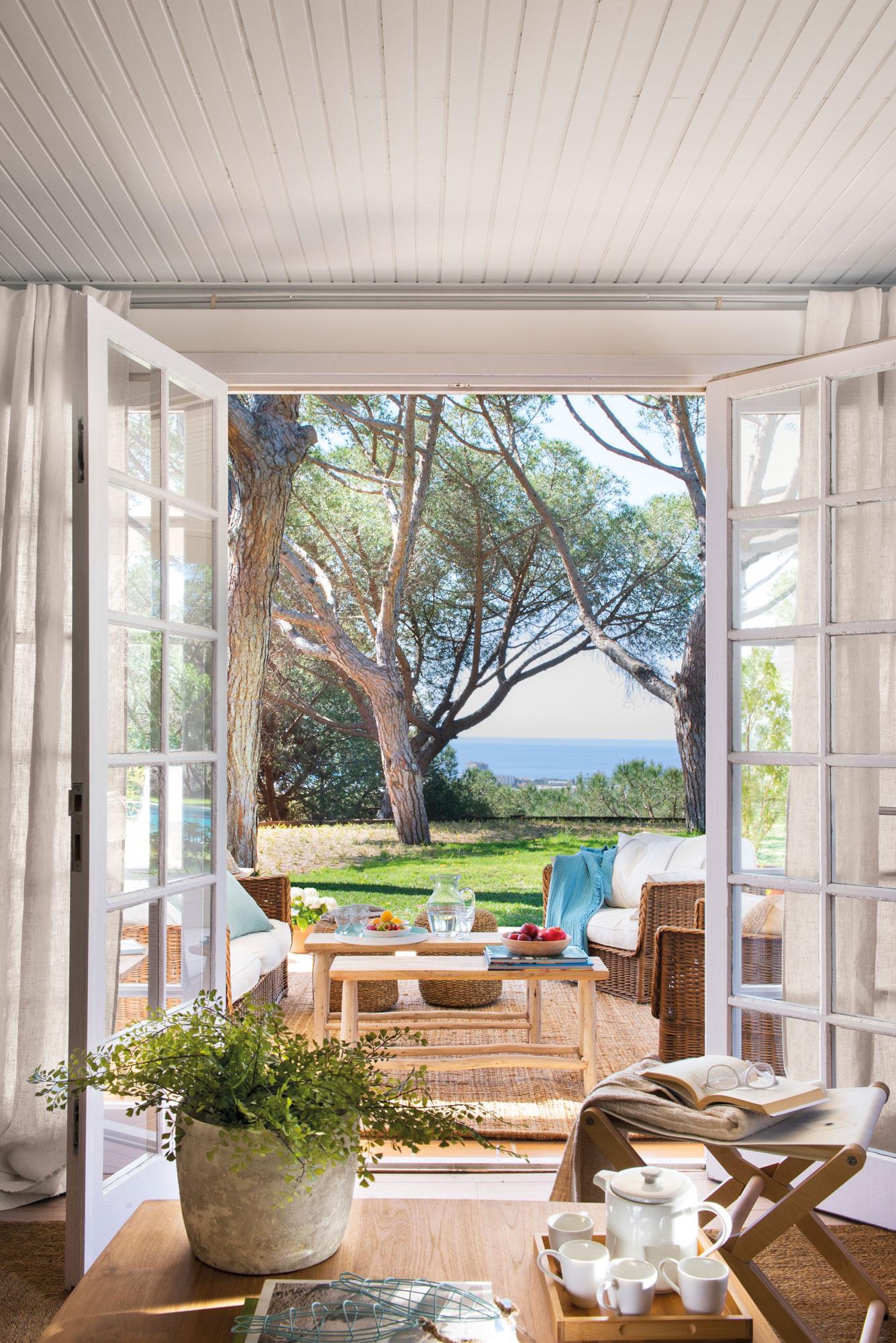Renovar las ventanas materiales y precios for Puertas balcon de aluminio precios en rosario