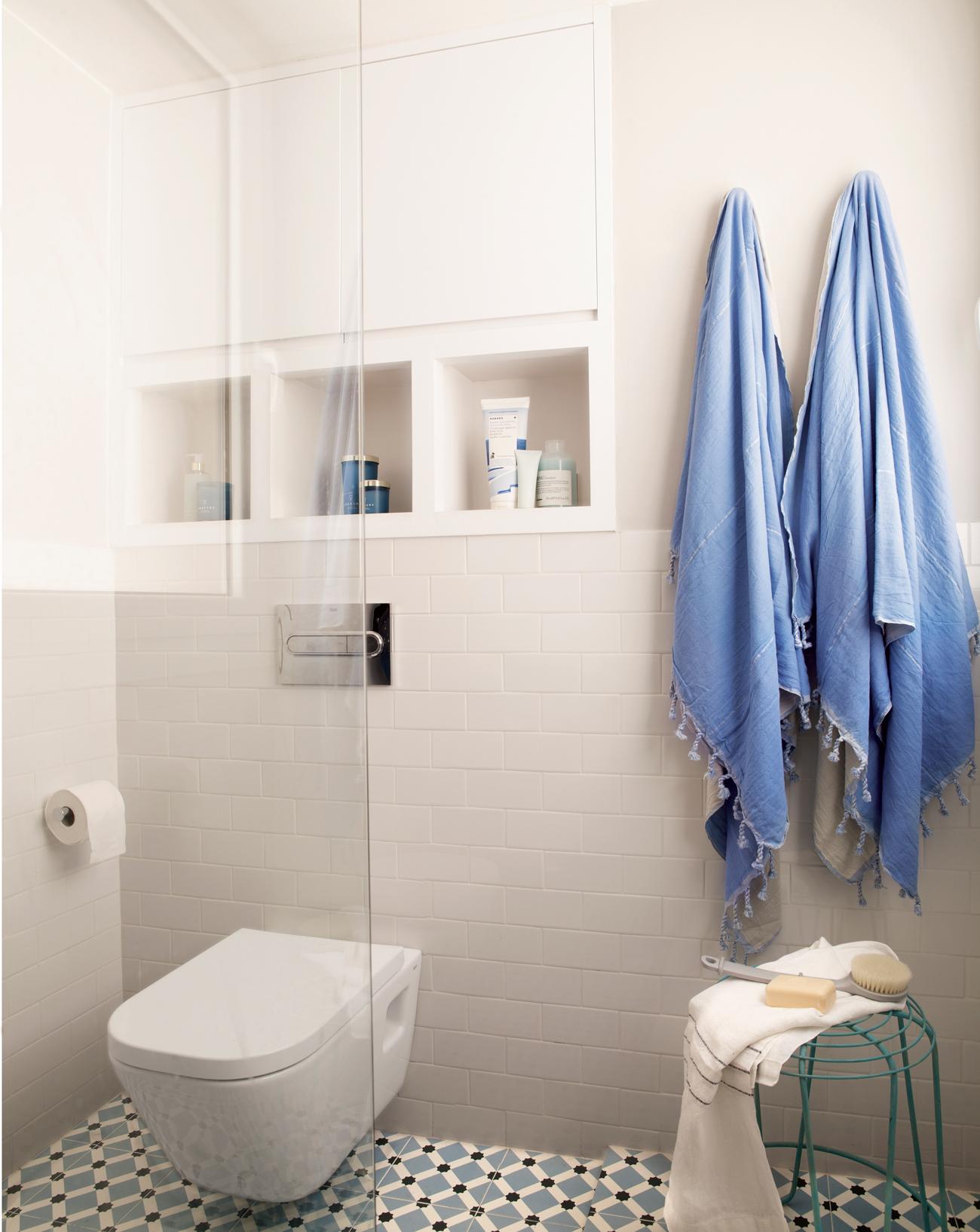 Muebles ba o decoraci n accesorios mamparas y azulejos - Mueble para encima del inodoro ...