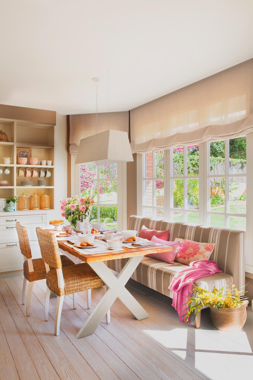 Los 50 mejores offices de la revista de decoraci n el mueble for Mesa y banco rinconero cocina