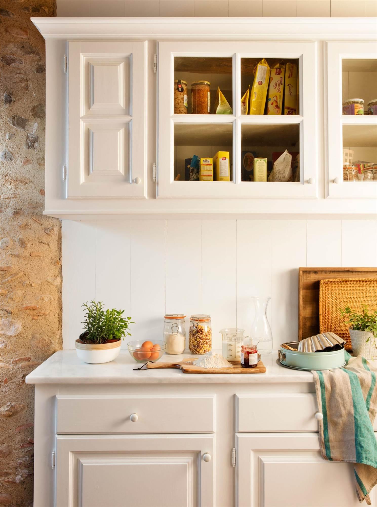 Soluciones decorativas con pintura for Muebles de cocina clasicos