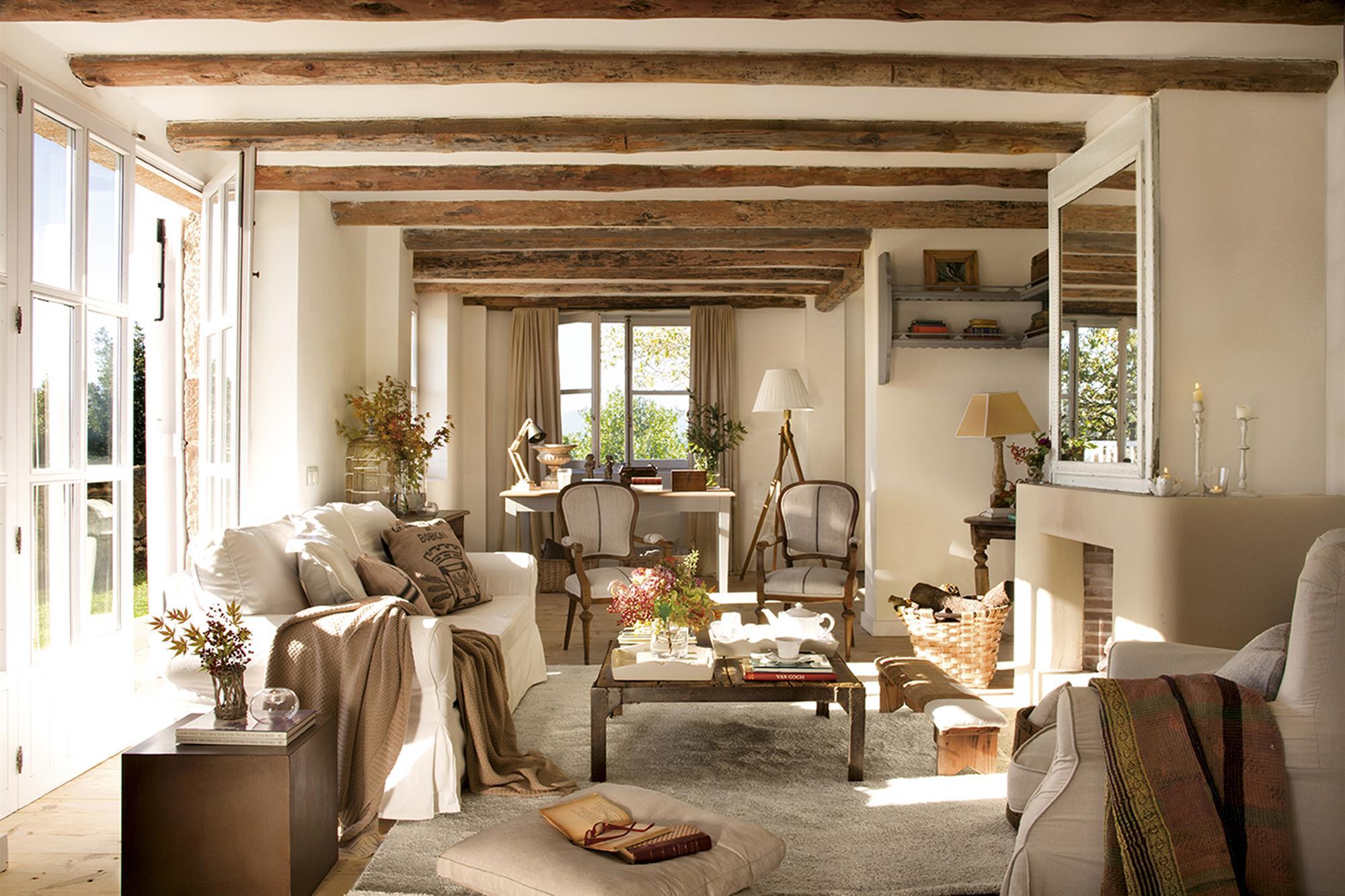 Un antiguo pajar en ruinas convertido en una preciosa casa for Decoracion de viviendas rusticas