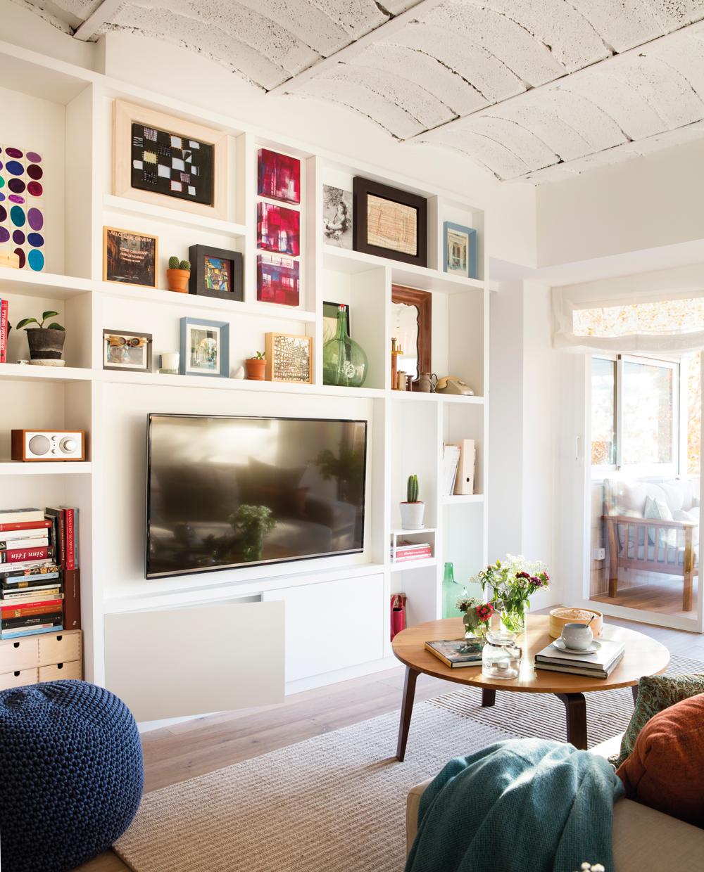 Ilumina bien cada estancia de tu casa - Libreria de pared ...