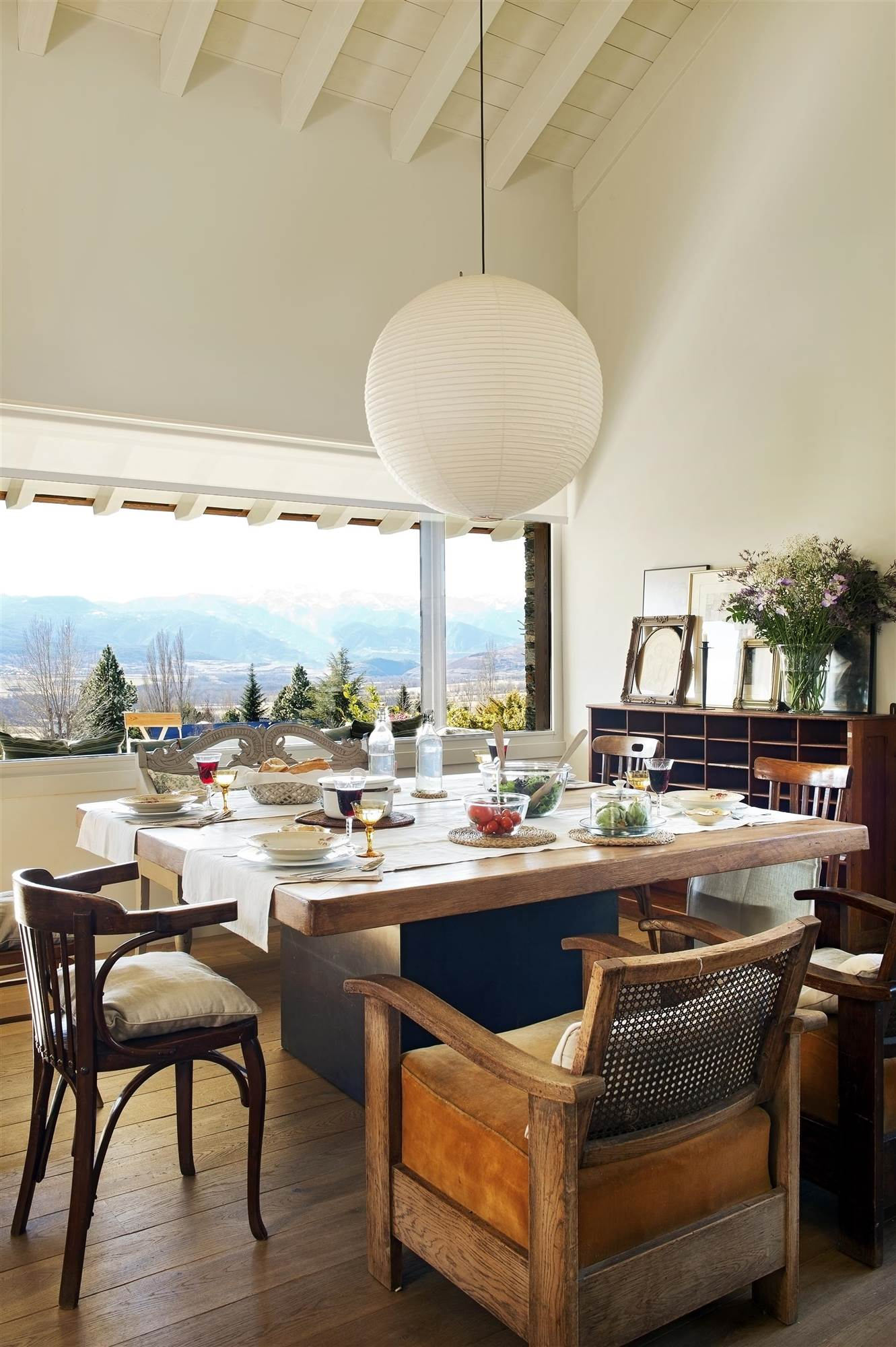 La butaca es nuestro mueble preferido for Mesa diseno