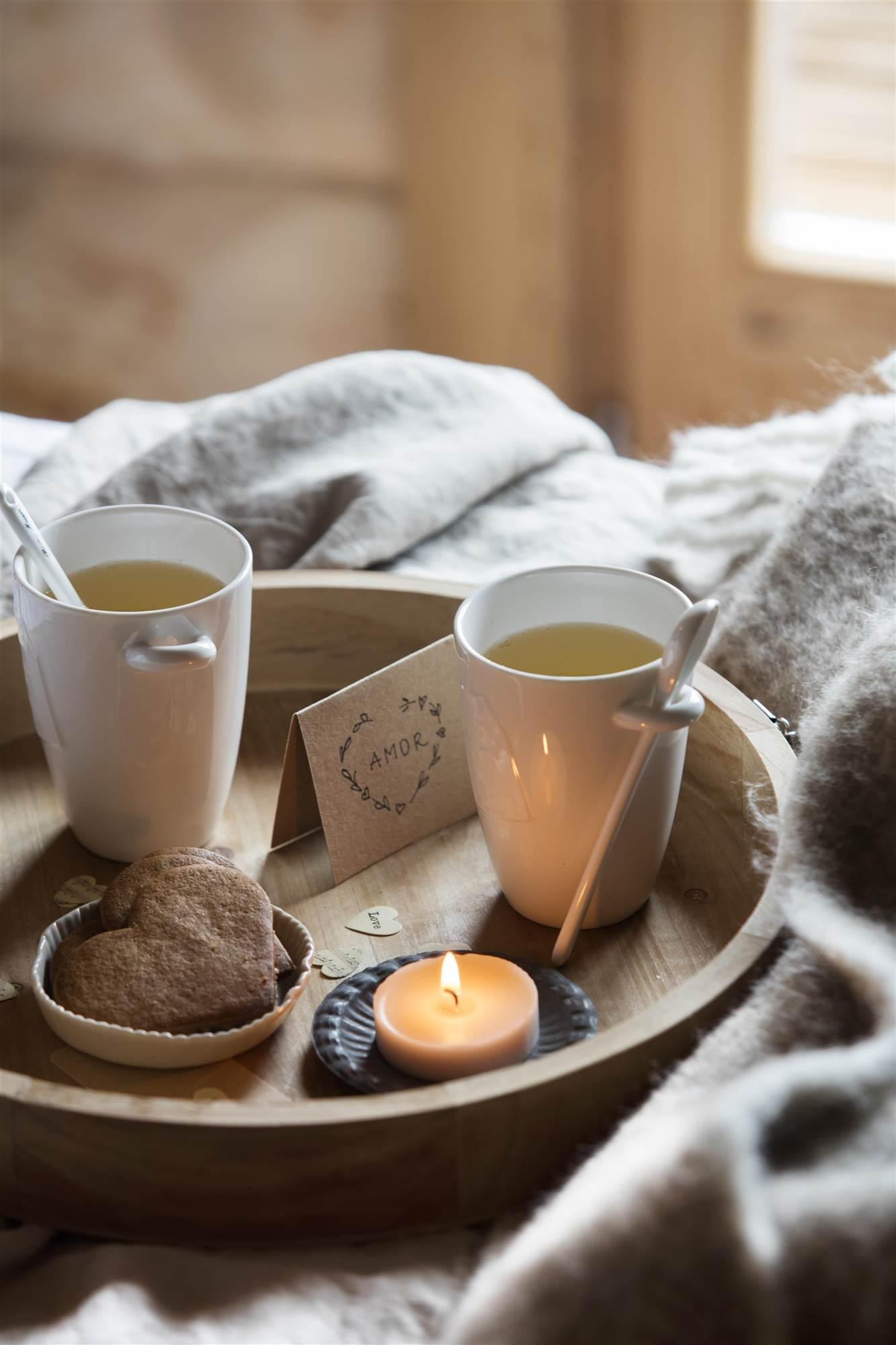 Secretos de alcoba el desayuno en la cama - Bandeja desayuno cama ...