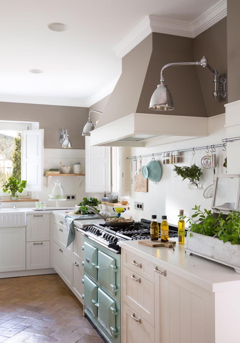 Cocinas muebles decoraci n dise o blancas o peque as for Cocina blanca y madera