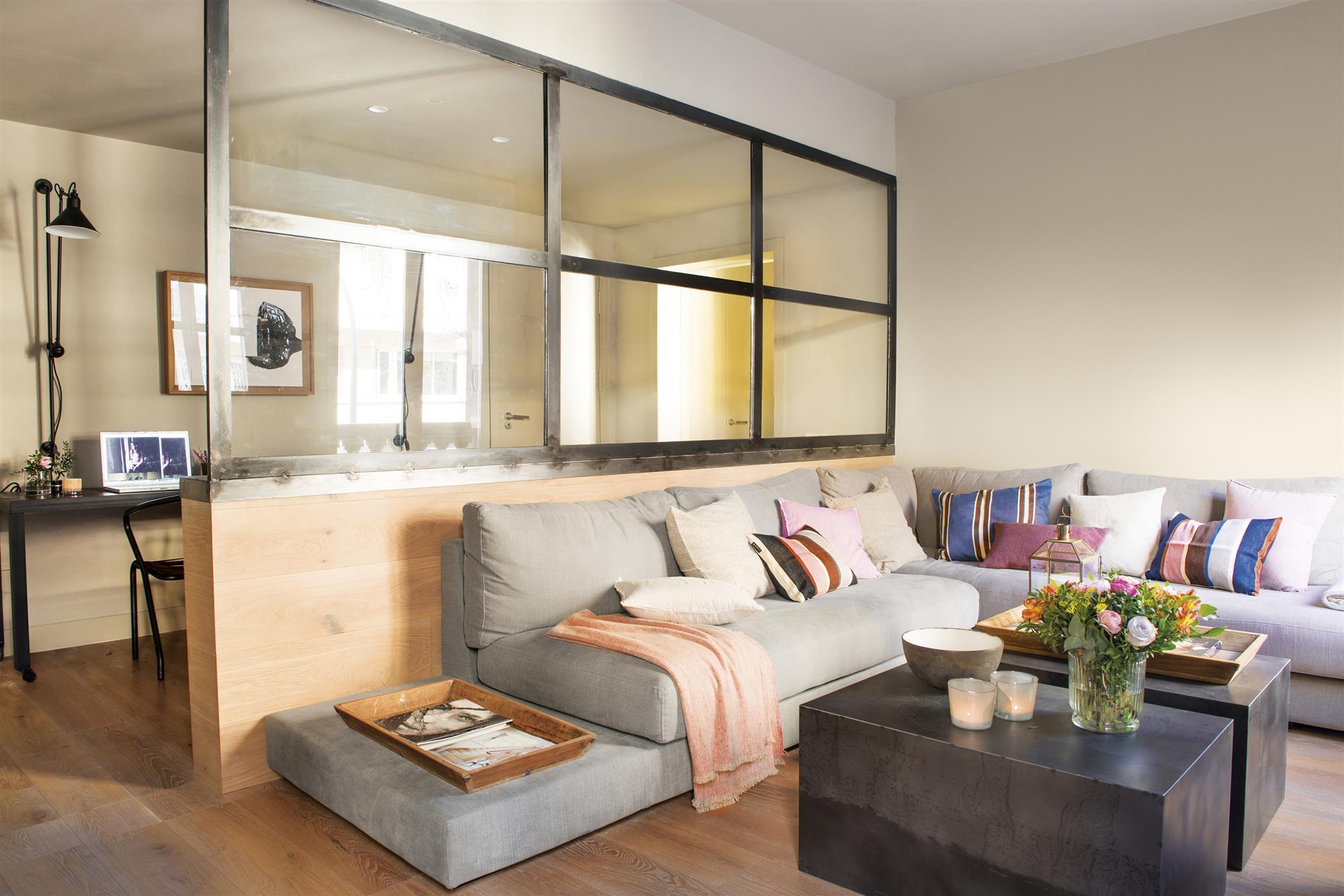 Un piso de 65 metros con buenas ideas - Butacas pequenas para salon ...