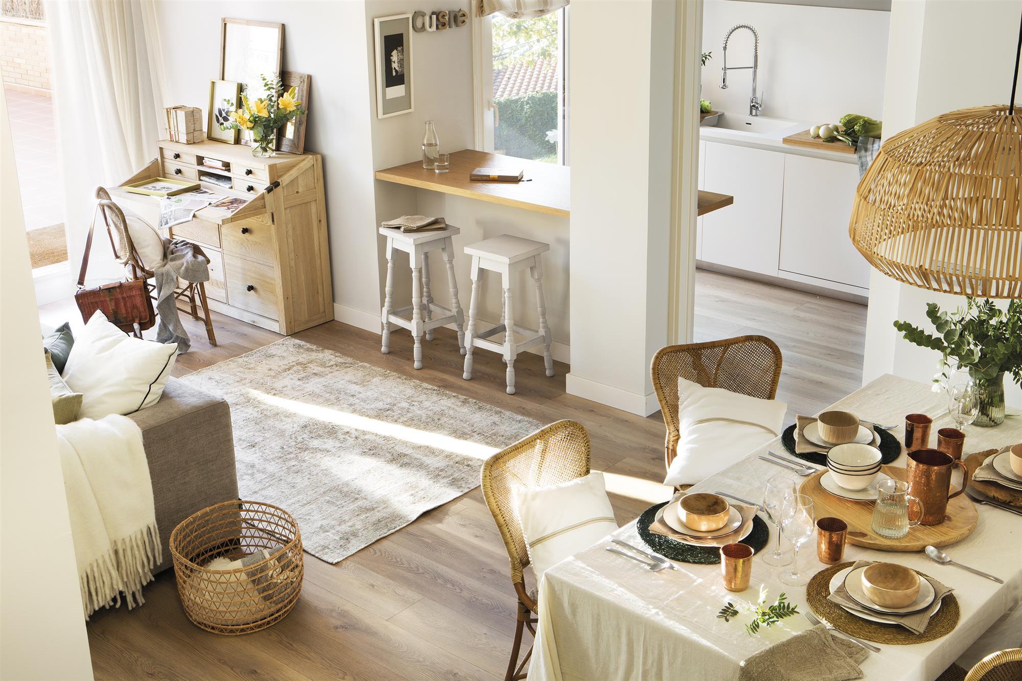 Una casa comodísima con una cocina abierta y un gran vestidor